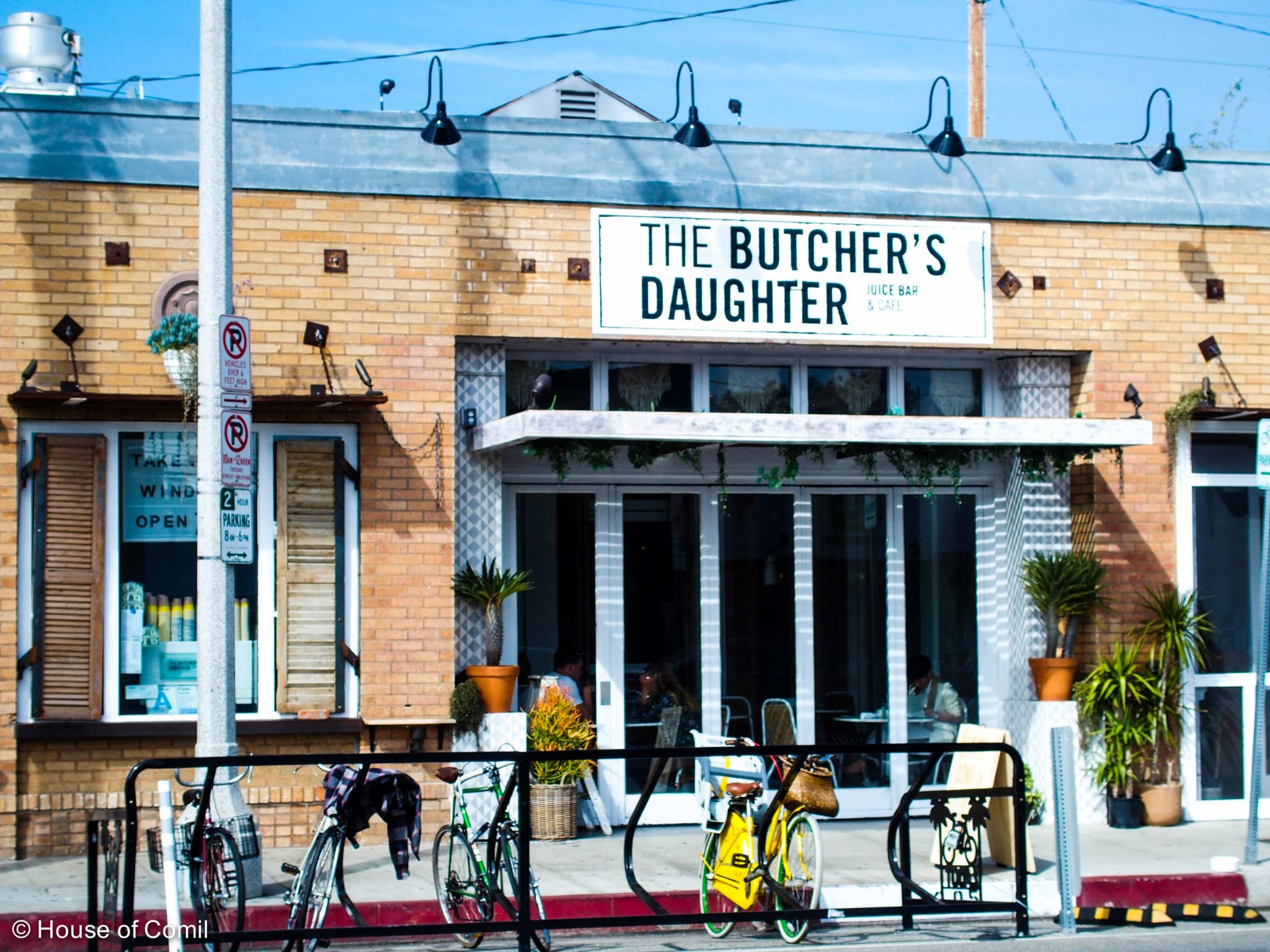 venice + abbot kinney + the butcher's daughter + los angeles + modernism + design +style blogger + house of comil + vegetation + los angeles blogger + swimming pool + chair + garden + house of comil