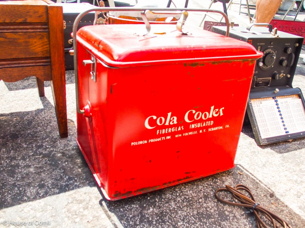 vintage + cola cooler + flea market + rose bowl + passadena +Los Angeles + Lablogger + style + blogger + fashion + inspiration + house of comil + lifestyle + houseofcomil