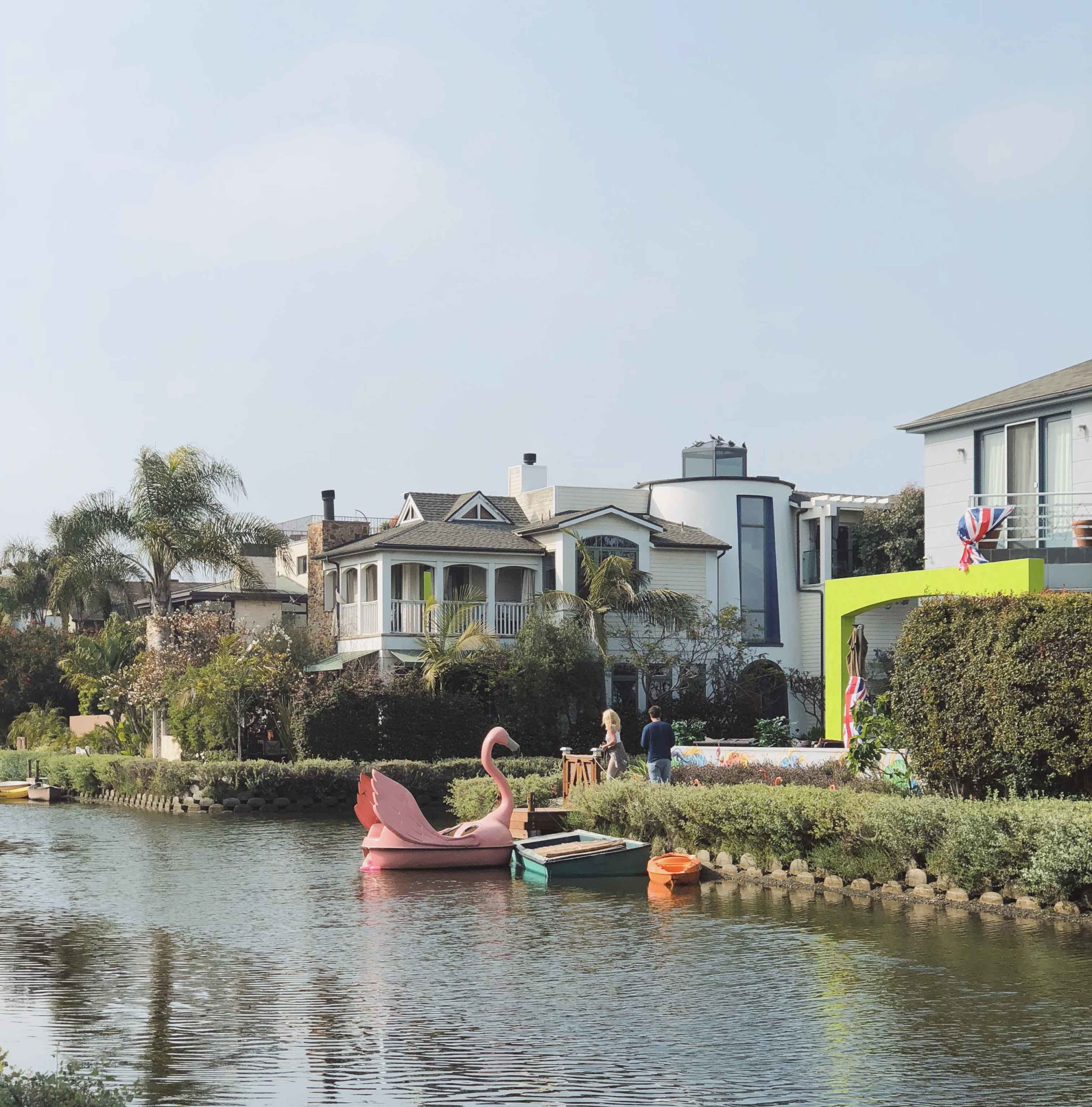 Venice Canals - Visit Venice Beach Venice Beach Inspiration by French fashion blogger julia comil in Los Angeles