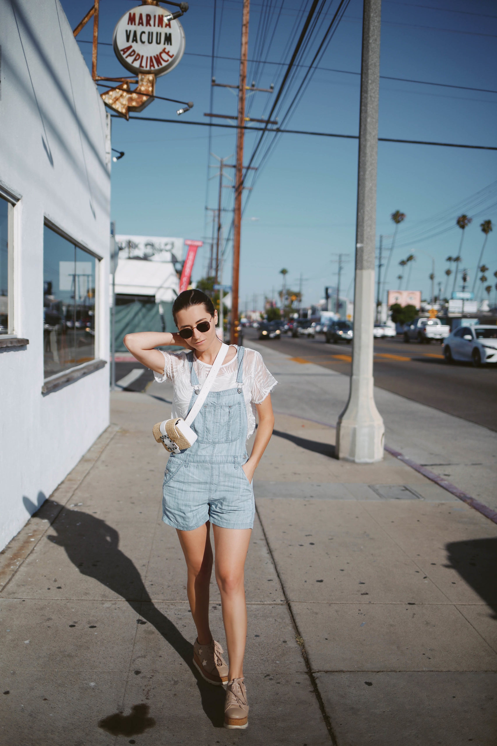 Lincoln Boulevard - Venice - Visit Venice Beach Venice Beach Inspiration by French fashion blogger julia comil in Los Angeles