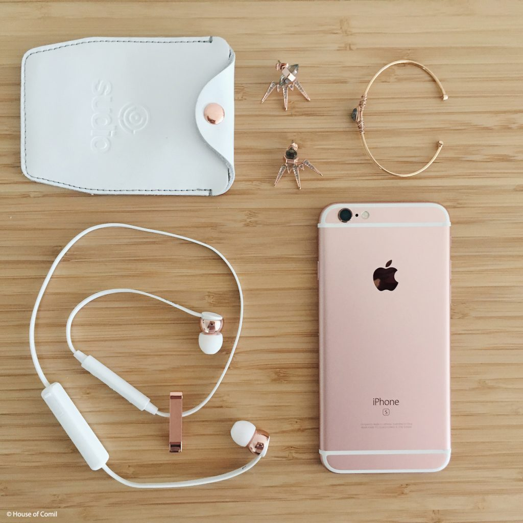 Sudio Sweden Earphones + sudio + sweden + vasa + bla + white + rose + gold + Rebecca + Minkoff + Earrings + + Senzou + bracelet + Los Angeles + Lablogger + style + blogger + fashion + inspiration + house of comil + lifestyle + houseofcomil + French + la blogger + earphones + design