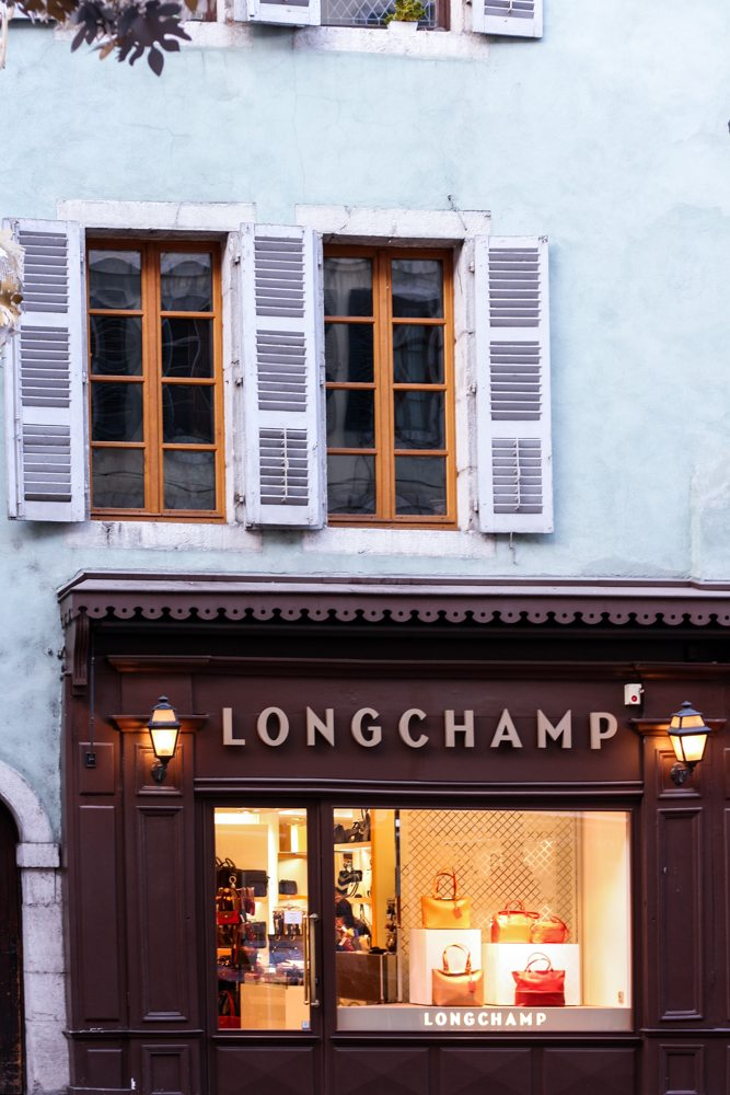 longchamp + Annecy + inspiration + blogger + only lyon + lablogger + french blogger + skincare + best + of + fashion + french staples + brands + made in france + house of comil + houseofcomil + julia comil + juliacomil + style blogger + travel blogger + vieil annecy