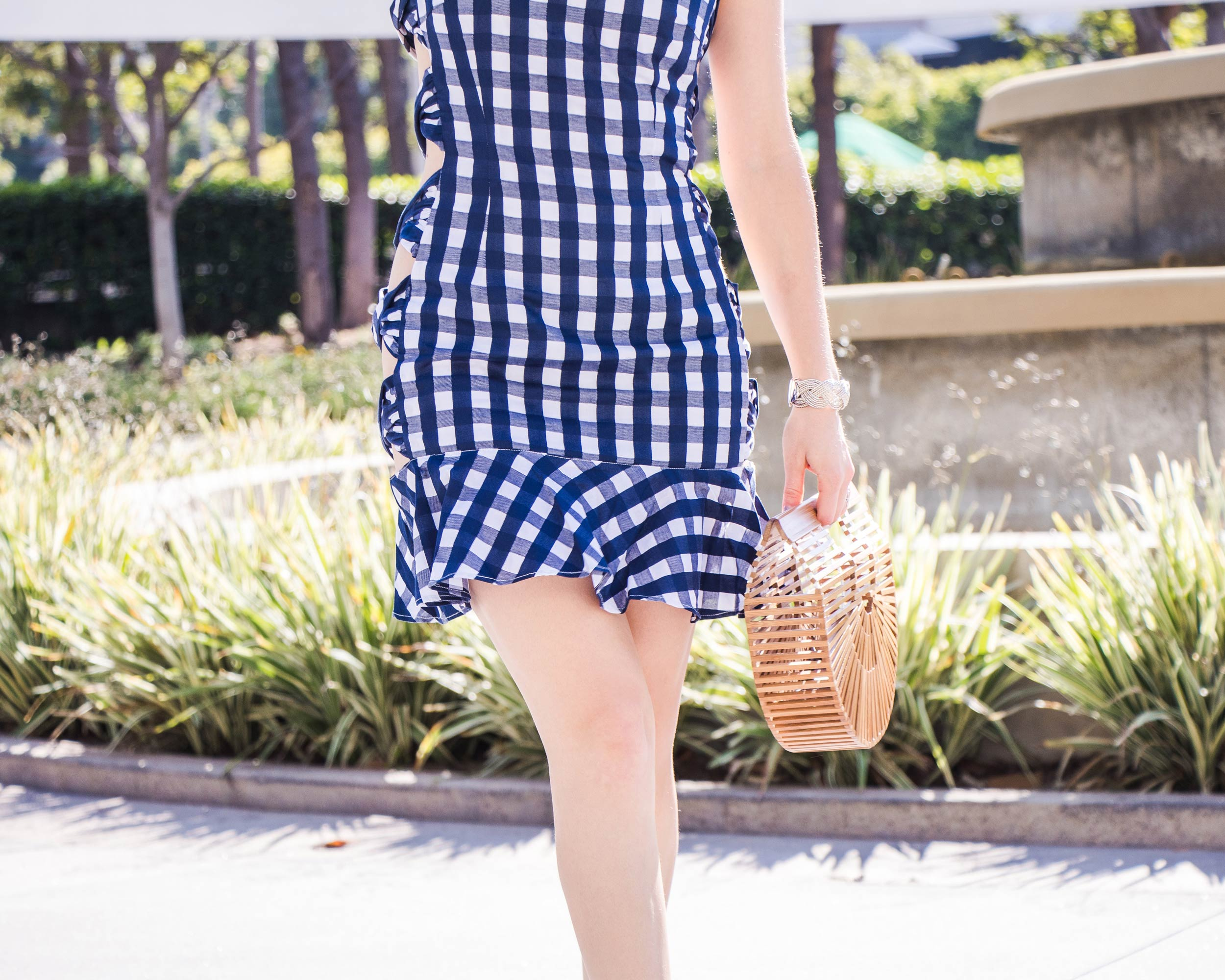 Gingham Dress: Fame and Partners Review: The Anti-fashion concept. Pin to save for later or read more on Modersvp.com.