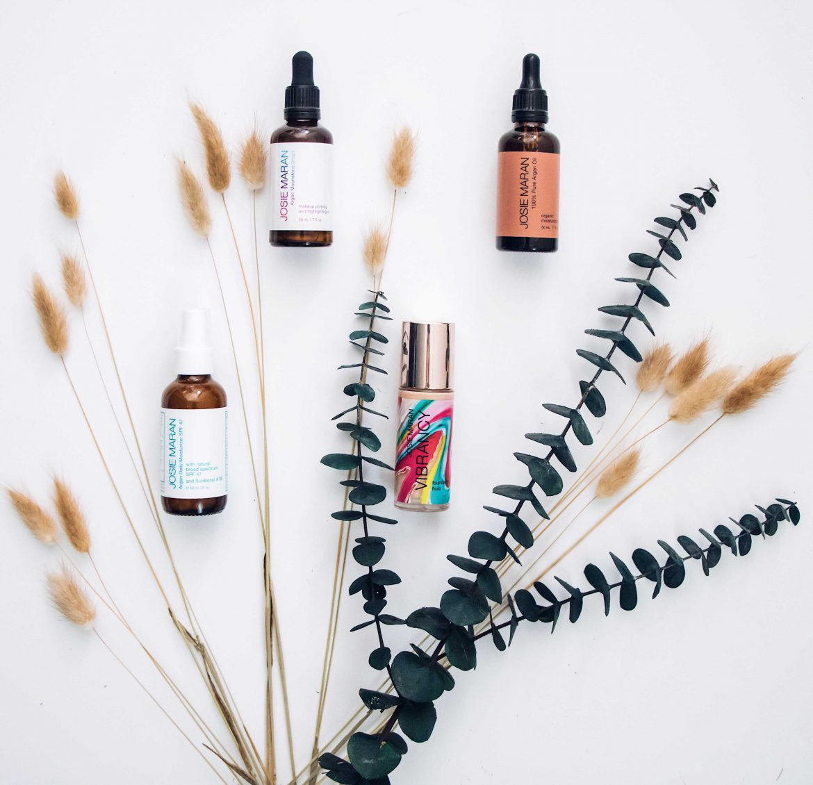 Clean Beauty: The fabulous Argan Oil! Best of Josie Maran products - Review on Houseofcomil.com