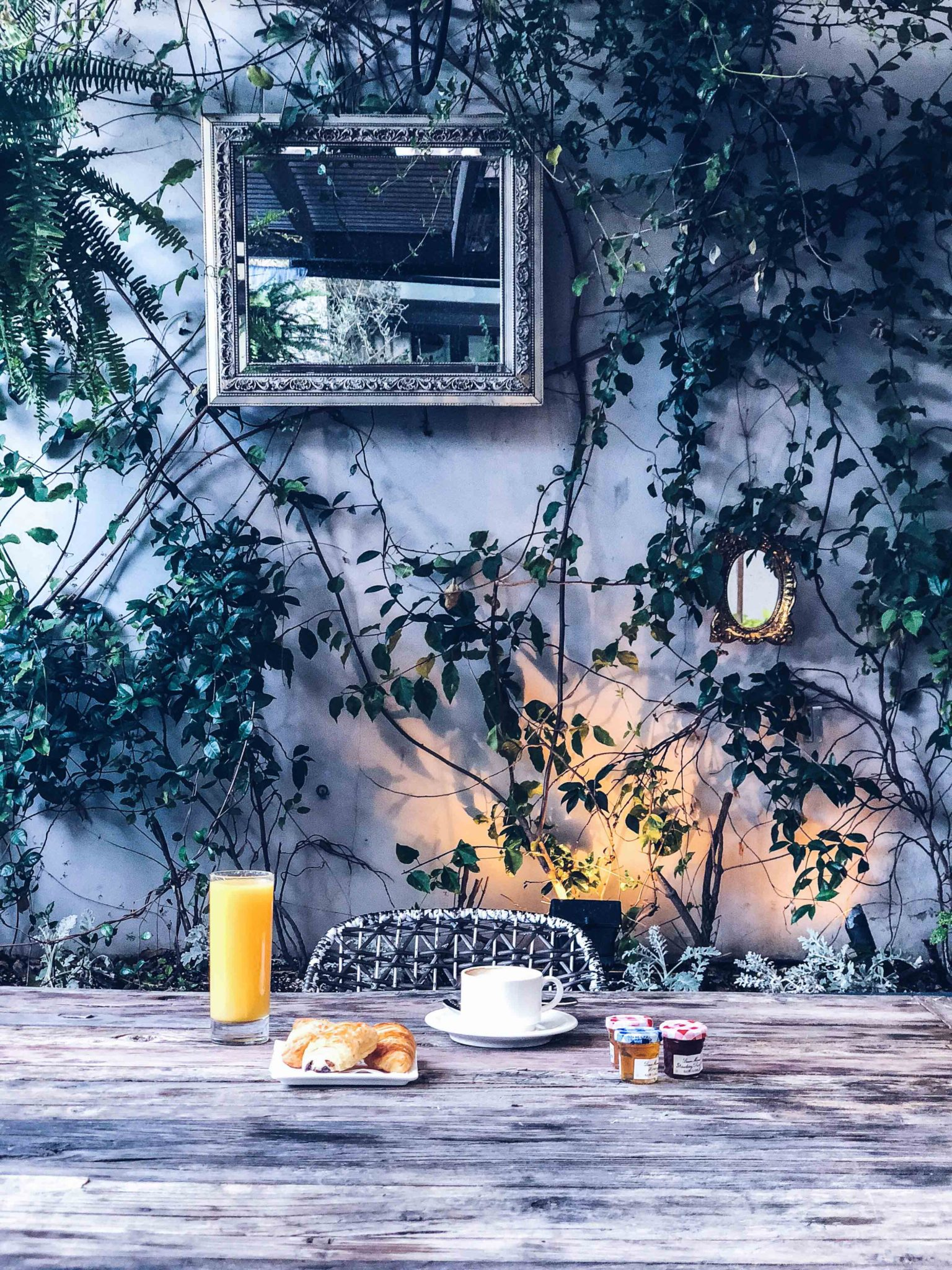 Best Brunches in Los Angeles: Escape at the Sofitel Los Angeles at Beverly Hills - Valentines's day in Los Angeles: Sofitel Los Angeles at Beverly Hills: A French Brunch in an intimate and beautiful patio