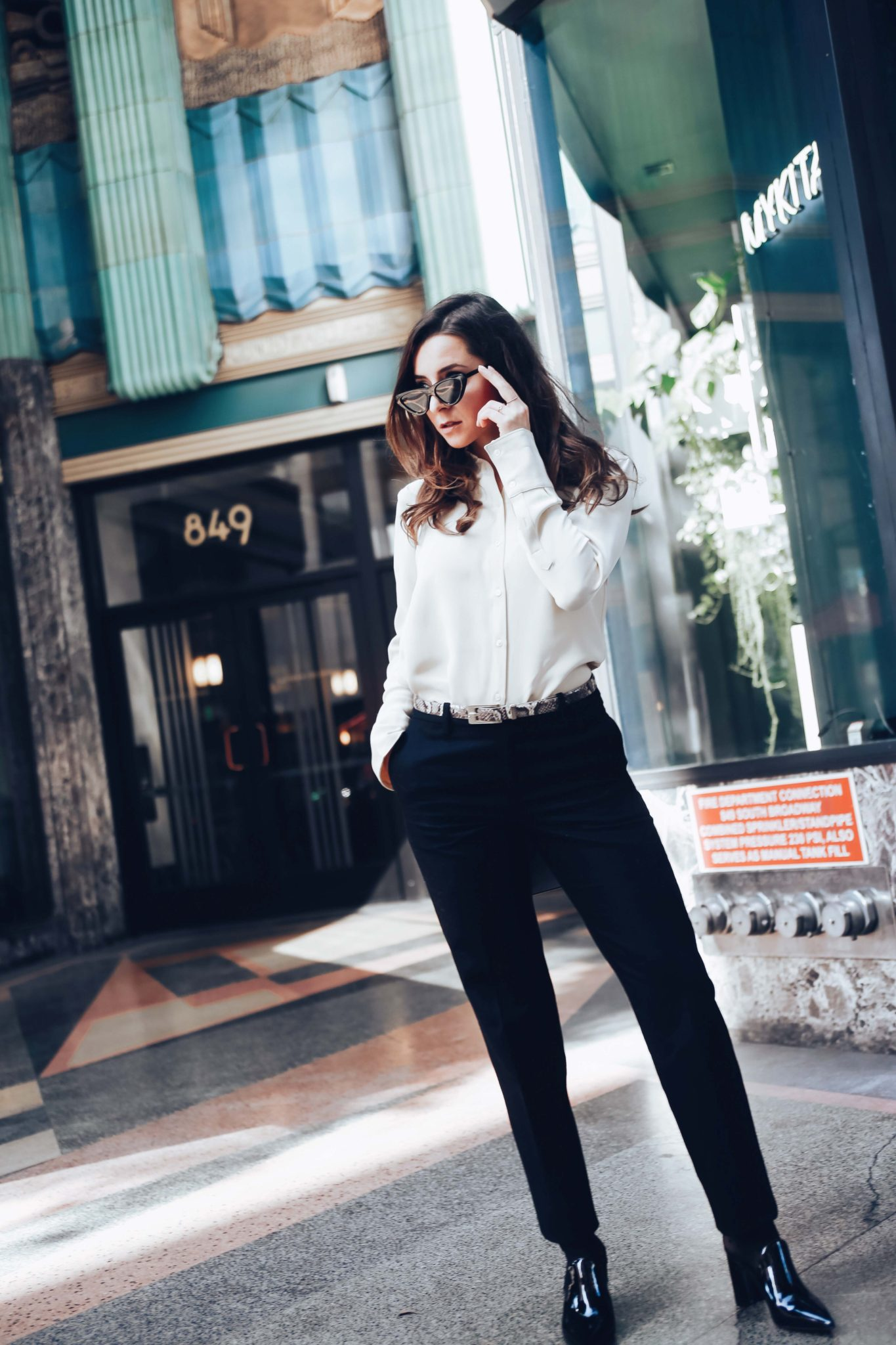How to wear the business suits for women - Where to buy women suits: SuiStudio review and Check suits trend on Houseofcomil.com. Suits styled by Julia Comil French Fashion Blogger in Los Angeles