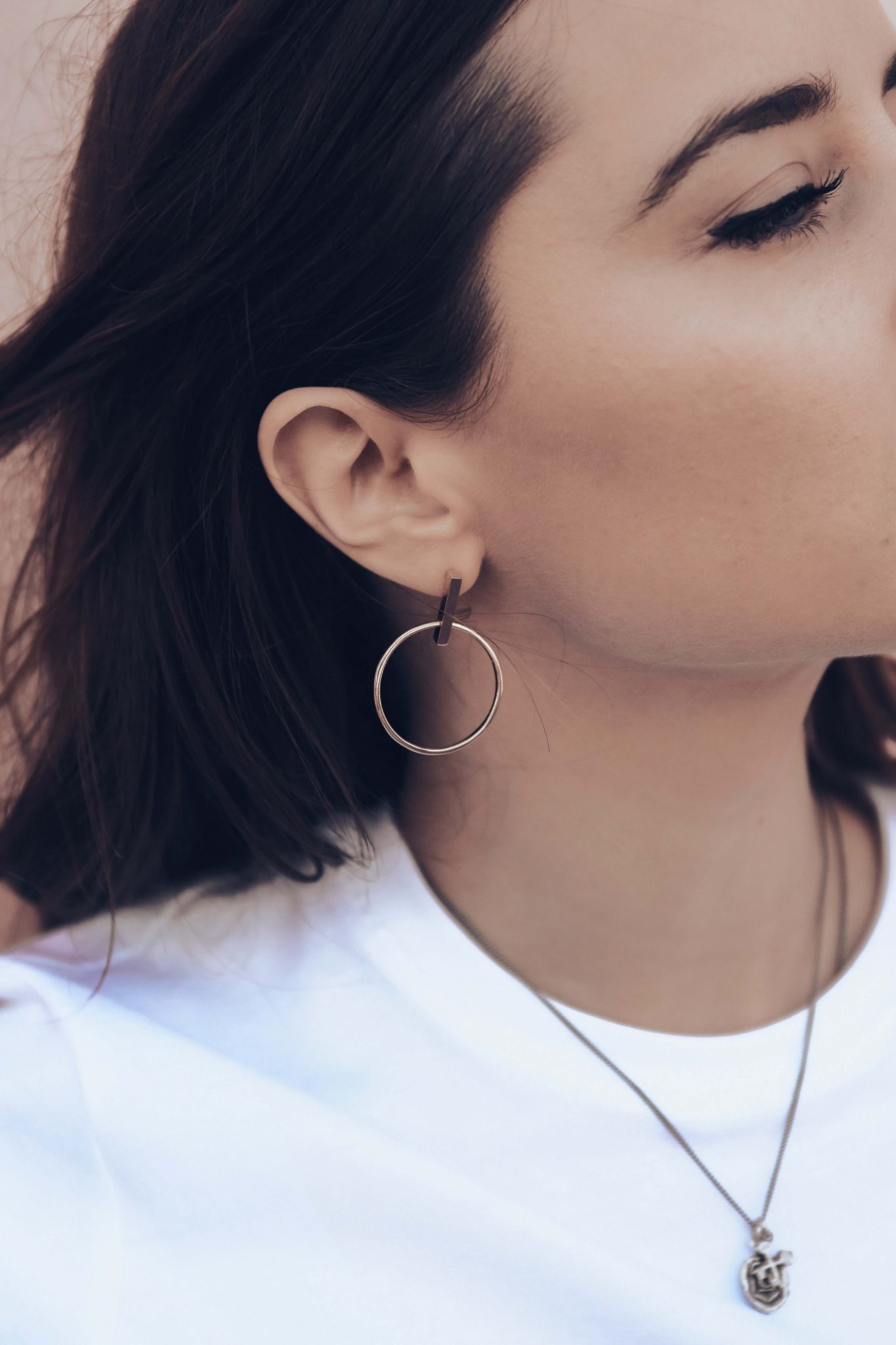 Luxury Minimal Jewels: Aurate New York. Fine Jewelry Online Store you need to know for special occasion jewelry gift - More on Houseofcomil.com