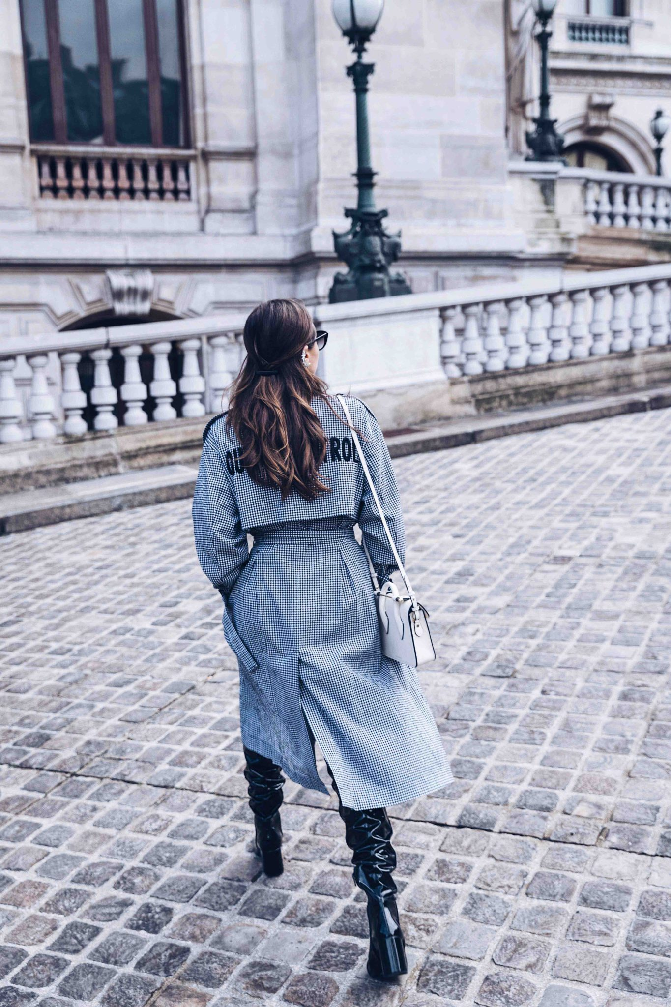 Spring Trench Coat - Gingham Trench Coat - Long Trench coat - Trench coat for women 2018 - Paris - Fashion Blogger Julia Comil styling the long trench coat in Paris - Bag: Strathberry