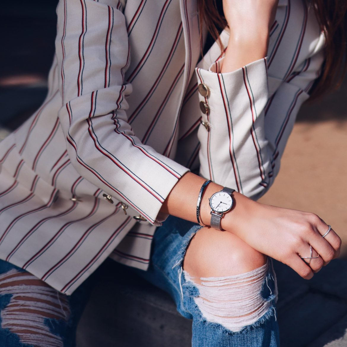 Daniel Wellington Review: The Classic Petite Sterling - Read more and get 15% off and a free strap with my Daniel Wellington Coupon Code.