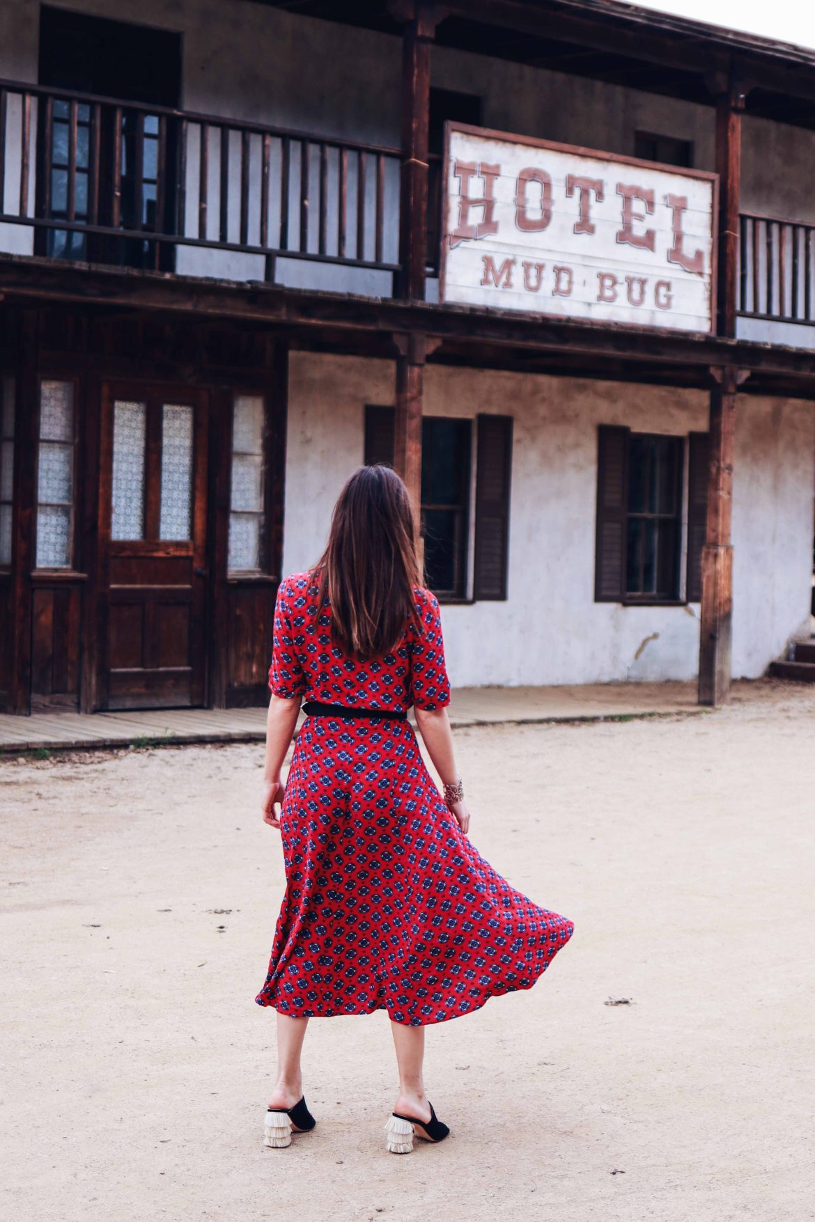 Sandro Paris Western Dress. Spring Fashion 2018 trend: Western Outfit. Channeling Westworld, one of the coolest show to watch on HBO this April - More on Houseofcomil.com. Pictures Julia Comil