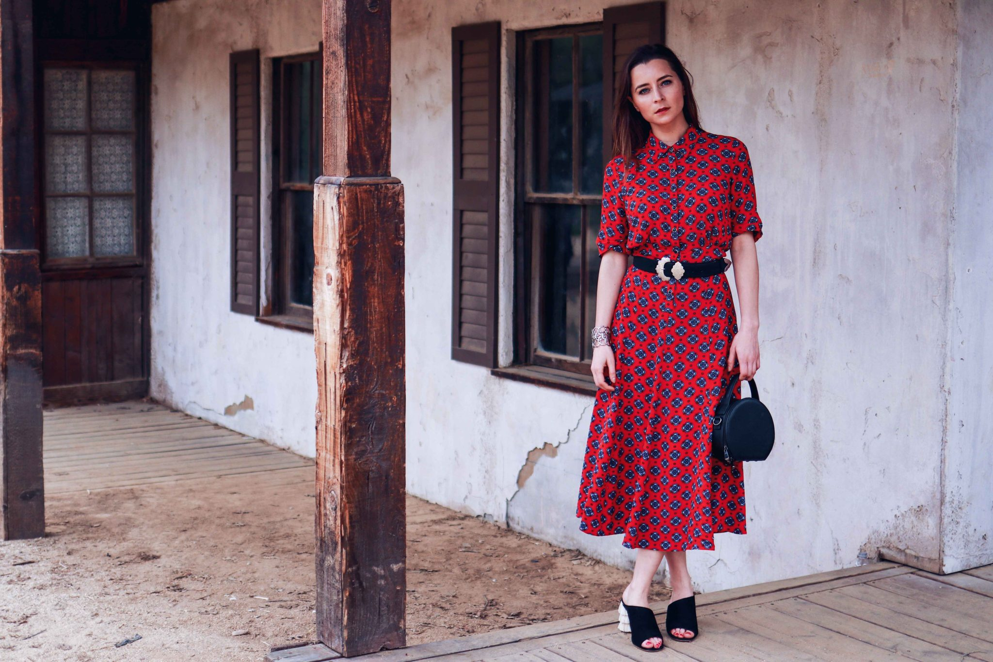 Sandro Paris Western Dress. Spring Fashion 2018 trend: Western Outfit. Channeling Westworld, one of the coolest show to watch on HBO this April - More on Houseofcomil.com. Pictures Julia Comil French Fashion Blogger Los Angeles