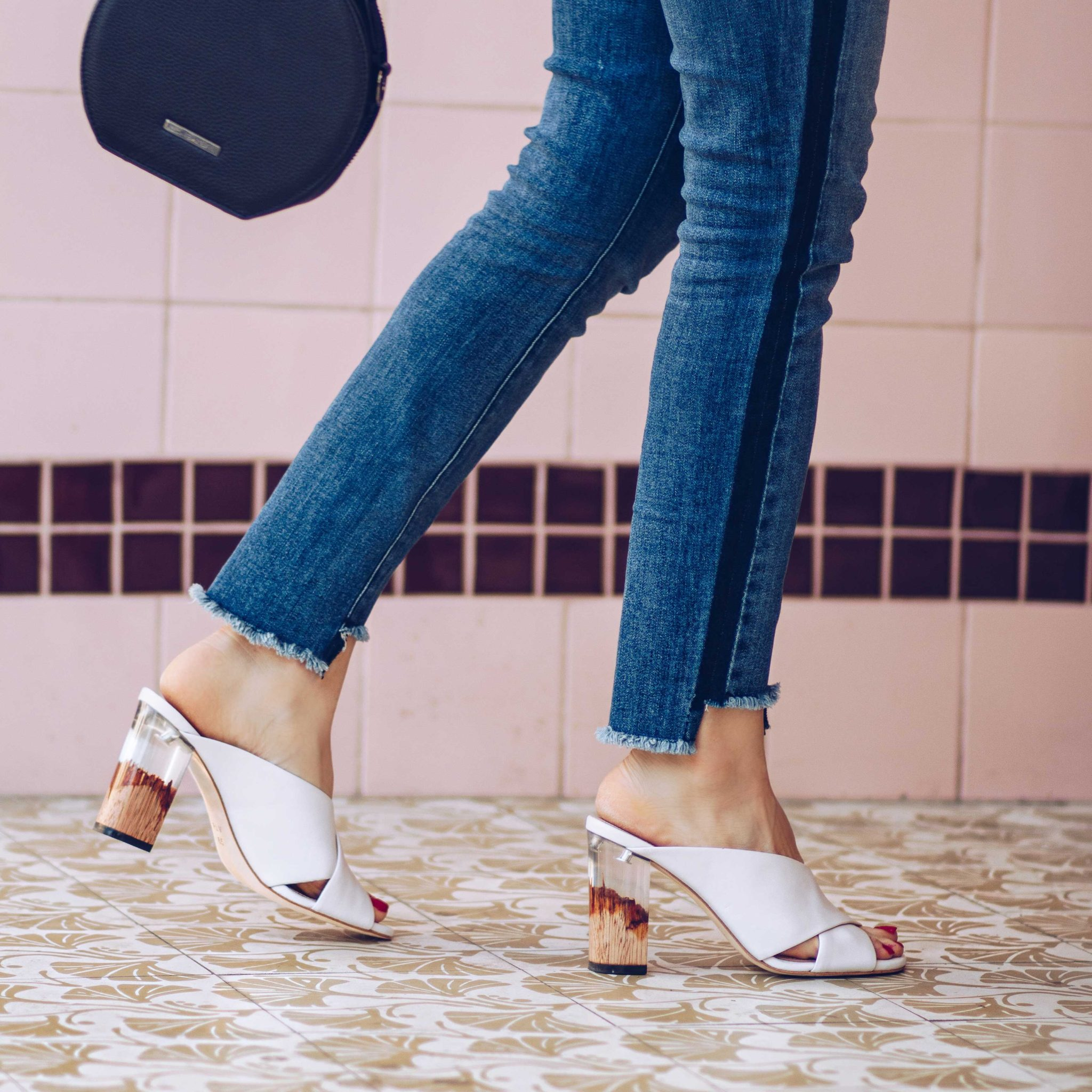 Harley - PLV Shoes - Clear Block Heel - Summer Sandals and Summer Mules: favorite womens sandals for this summer on Houseofcomil.com.