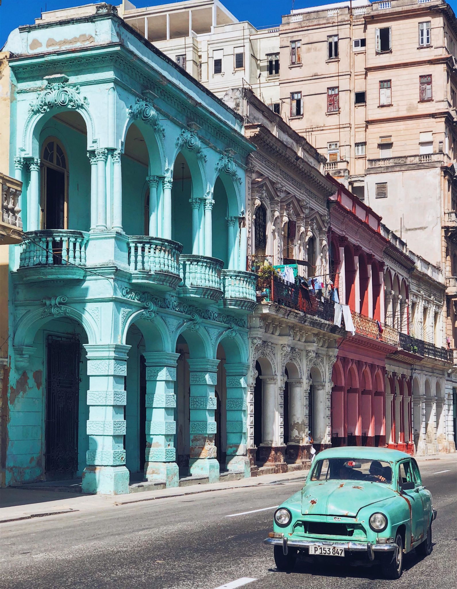 Havana old car - Best things to do in Cuba
