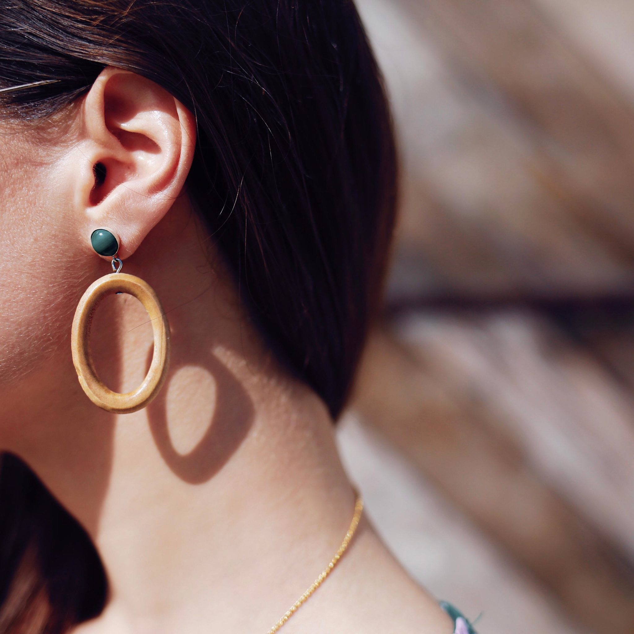 Best statement earrings 2018: wood hoop earrings Sophie Monet - Made in Venice - More on Houseofcomil.com. Fashion Blogger Julia Comil has curated the best statement earrings for 2018