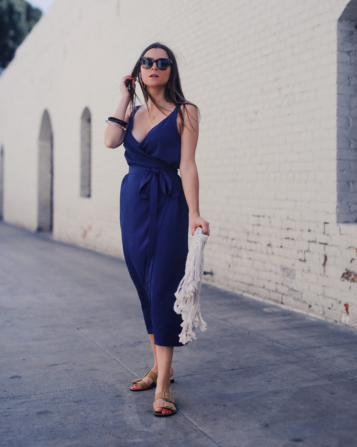 Everlane Japanese Wrap Dress - Versatile summer dresses for women: a dress to wear at work or casually - More on Houseofcomil.com
