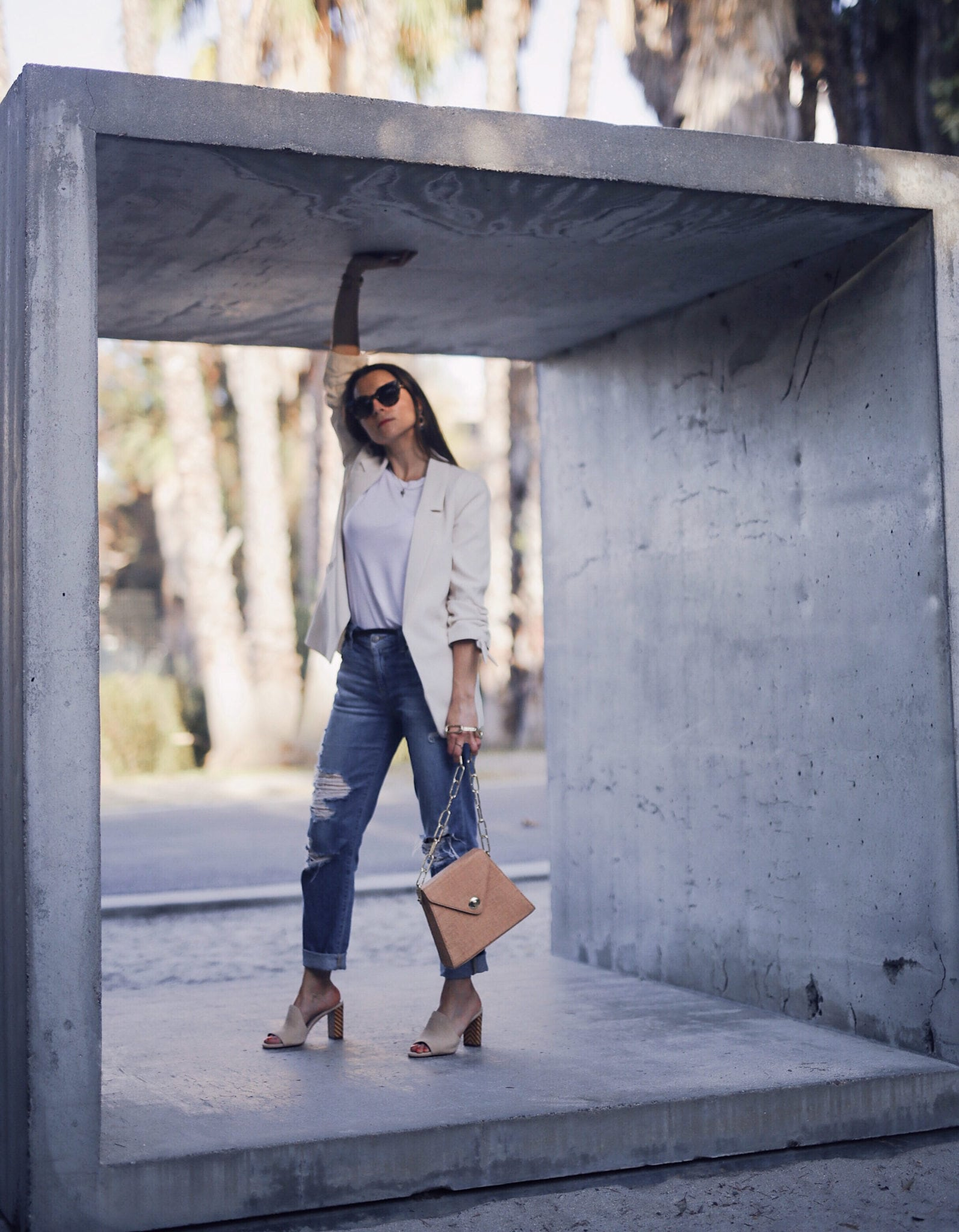 Style upgrade: The Summer blazer for women. Fashion Blogger Julia Comil is wearing a cream summer blazer from River Island. The full look and selection of affordable summer blazers on Houseofcomil.com