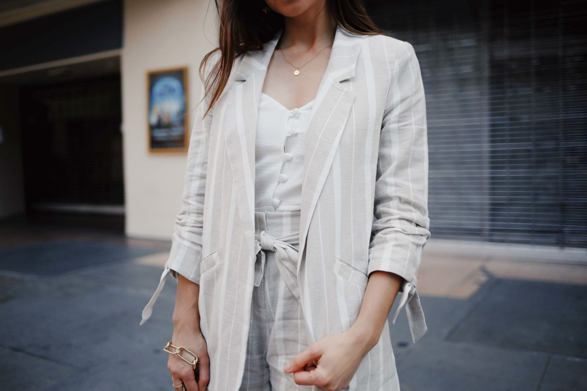 How to style linen for Summer - The linen suits for work and the bardot dress from River Island. Summer style - Read this post for summer outfit ideas using linen fabric. More on modersvp.com by fashion blogger Julia Comil