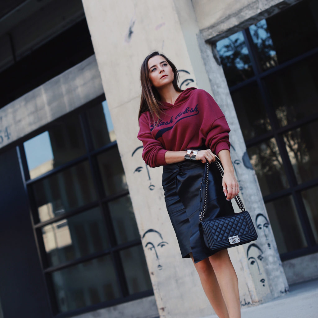 Fall style: Back to work: Back to Hoodies. How to style the hoodie on Houseofcomil.com by Julia Comil French fashion blogger in Los Angeles. Hoodie Shelby by Ba&Sh