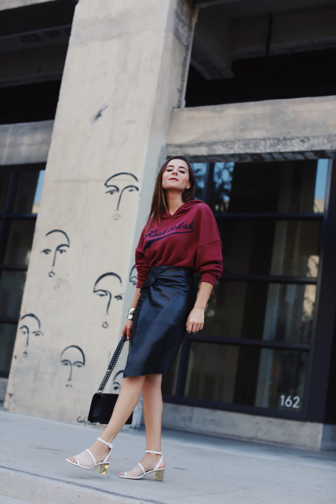 Fall style: Back to work: Back to Hoodie. How to wear the hoodie on Houseofcomil.com by Julia Comil French fashion blogger in Los Angeles. Hoodie Ba&Sh Shelby
