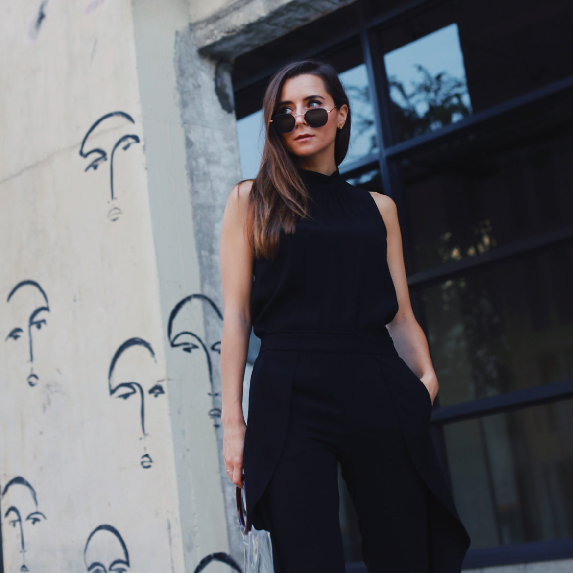 The black jumpsuit is a fall transitional outfit you can't go wrong with! How to style it and discover the latest black jumpsuit from Halston Heritage. By Julia Comil Fashion Blogger in Los Angeles - Halston Heritage review