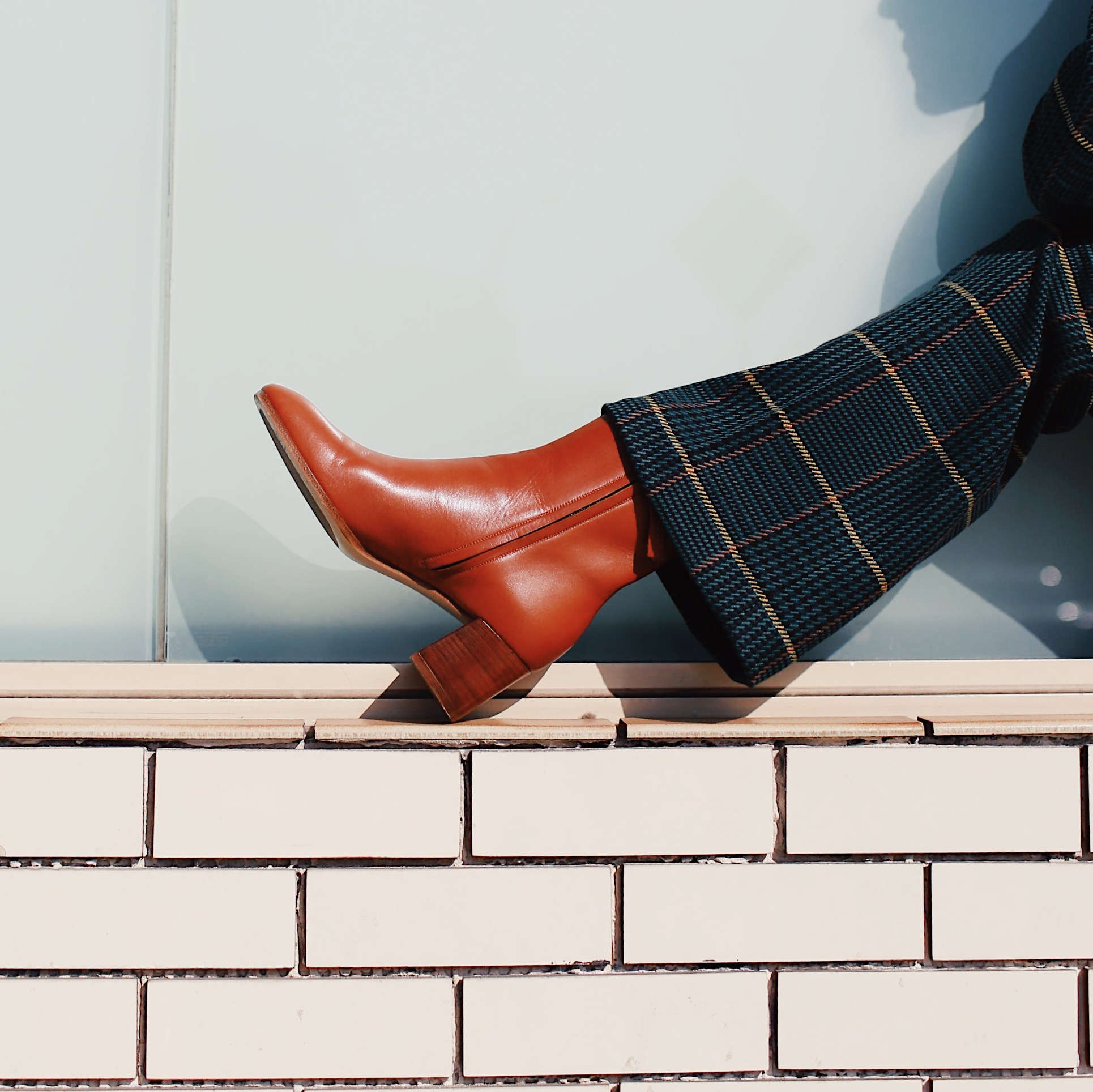 5 best Fall Winter 2018 shoes and boots trends: western boots, combat boots, loose boots, animal print shoes, dad sneakers. marc fisher sherpa combat boots