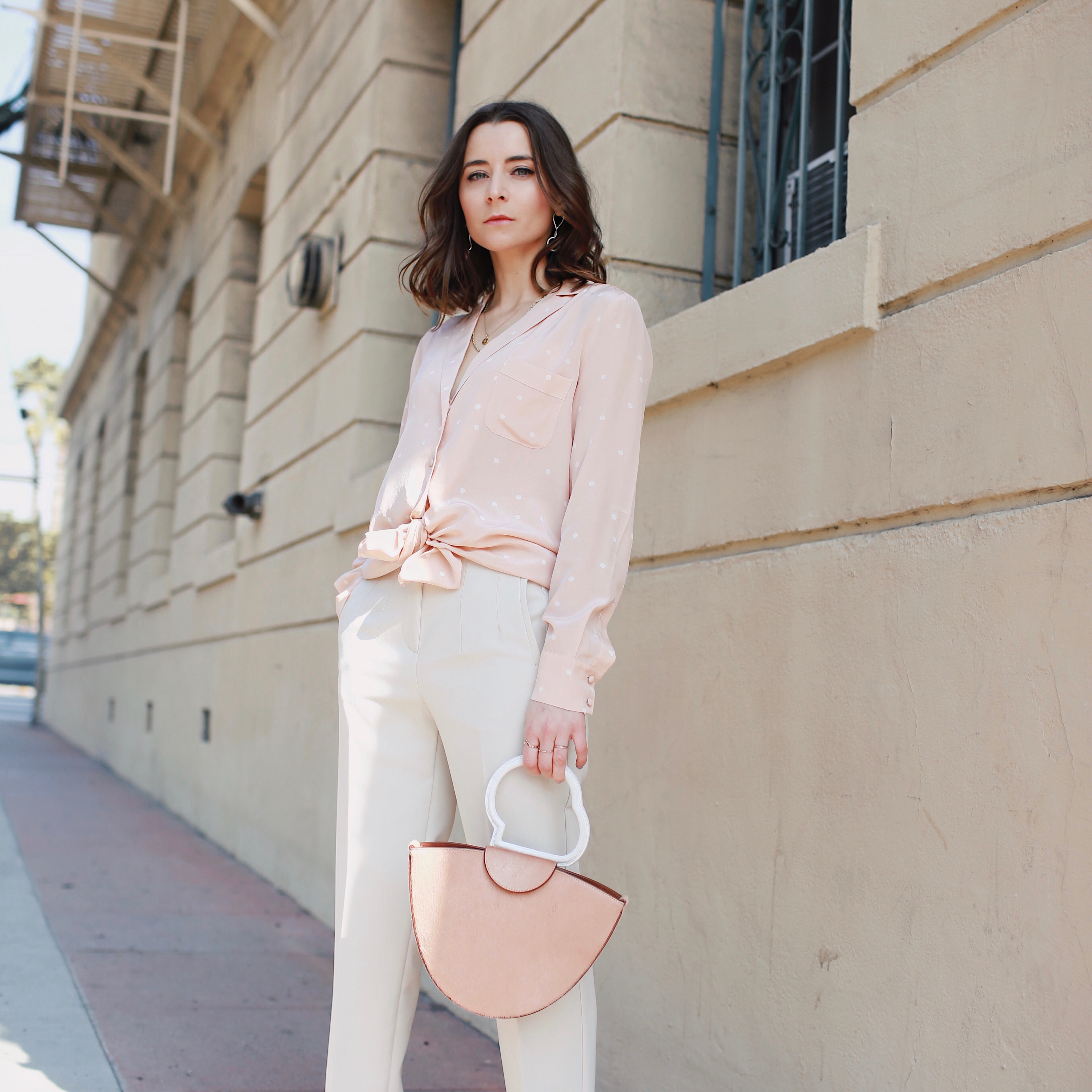 neutral look. most instagrammable bags: designed by the British label: Danse Lente. Danse Lente review: affordable It bags made of high-quality leather and with a great attention to details. Worn by fashion editors and fashion bloggers worldwide. More on Houseofcomil.com. By Julia Comil French fashion blogger in Los Angeles
