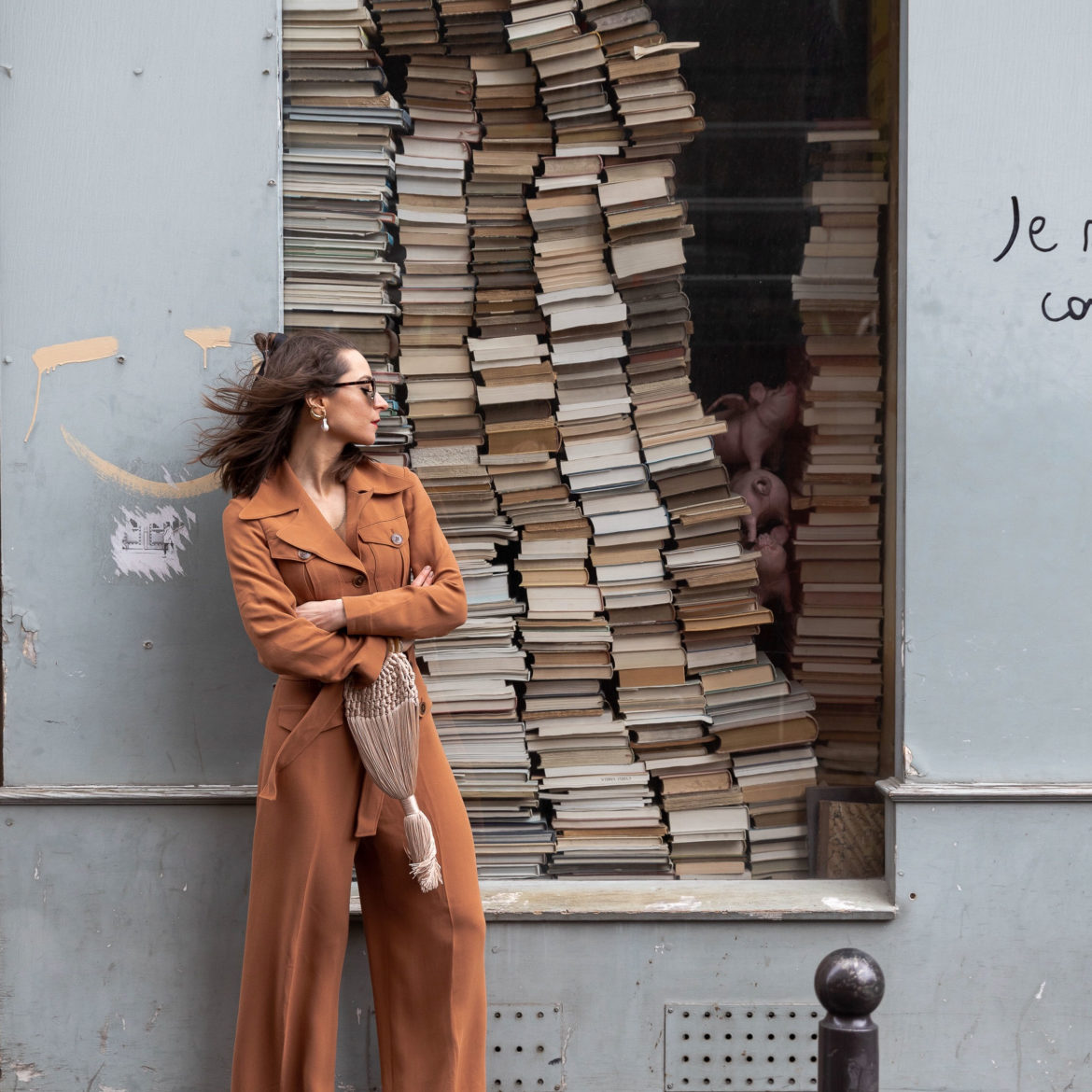 Utility jumpsuit blazer in burnt orange by And Other Stories / Spring transitional outfits on Modersvp.com / Picture Julia Comil