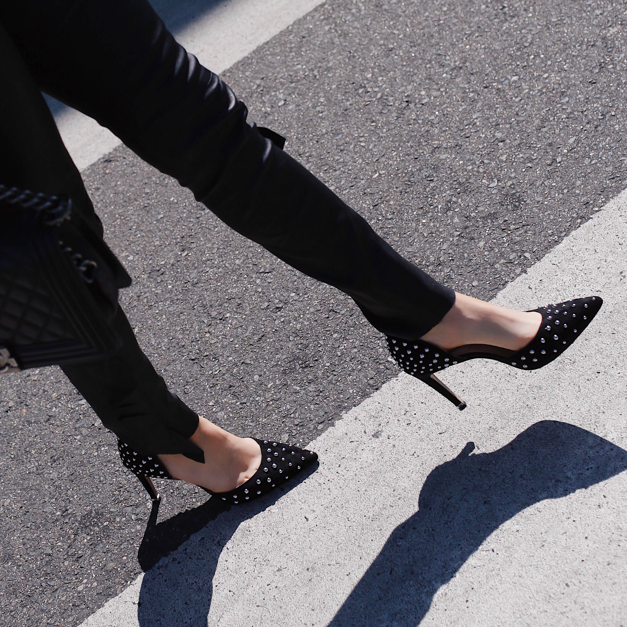 85 Riley studded d Orsay pumps Kenneth Cole Tech cole footwear Riley shoes comfortable versatile stylish pumps perfect to commute #HeelsForTheHustle #WhatMovesYou leather skinny pants