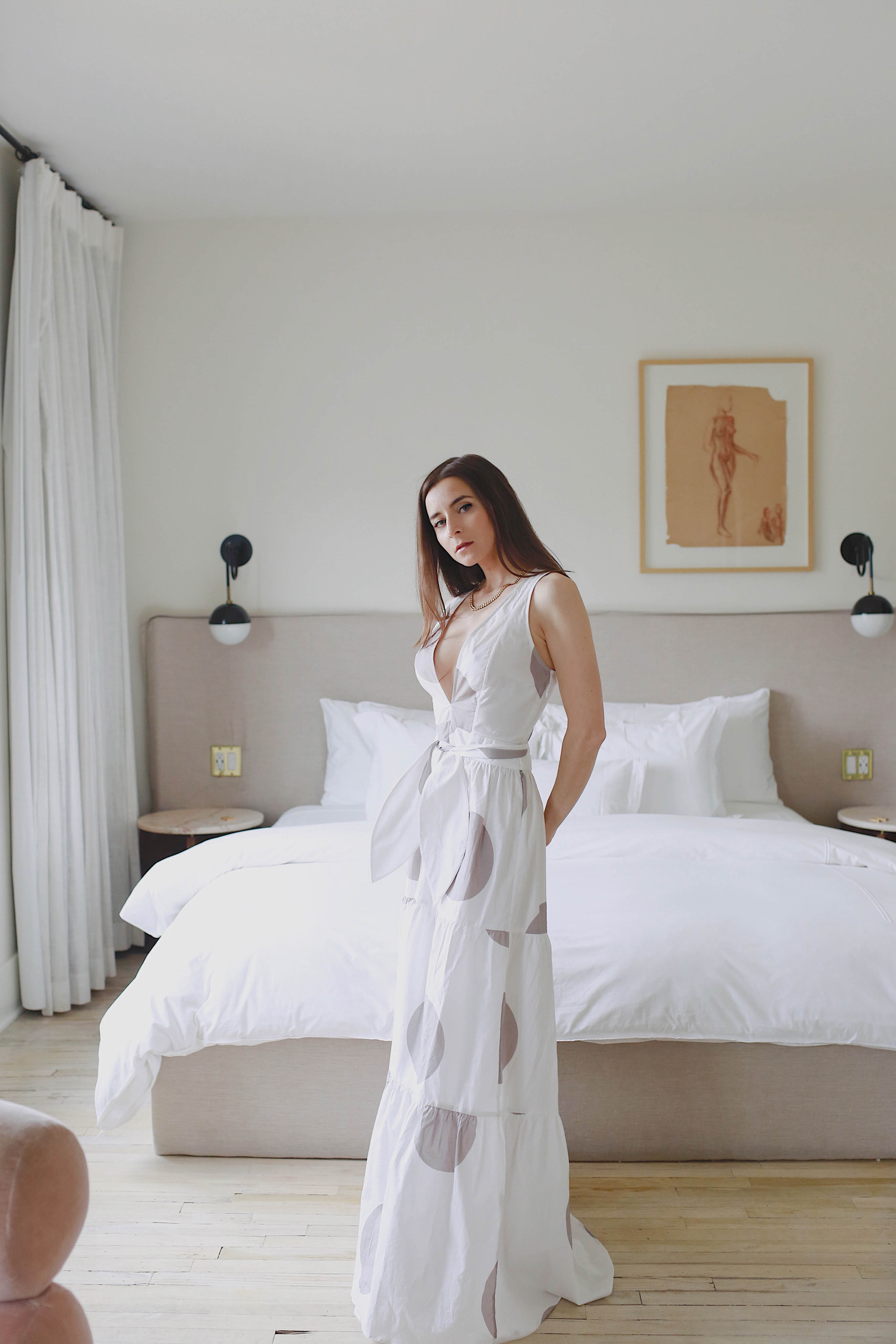 Discover the hidden gem Hotel Covell: a small luxury boutique hotel in Los Angeles. Parisian vibes and opulant rooms: Hotel Covell is a luxury independent hotel for short / long term stay. Wearing Alexandra Miro Polka dots maxi dress