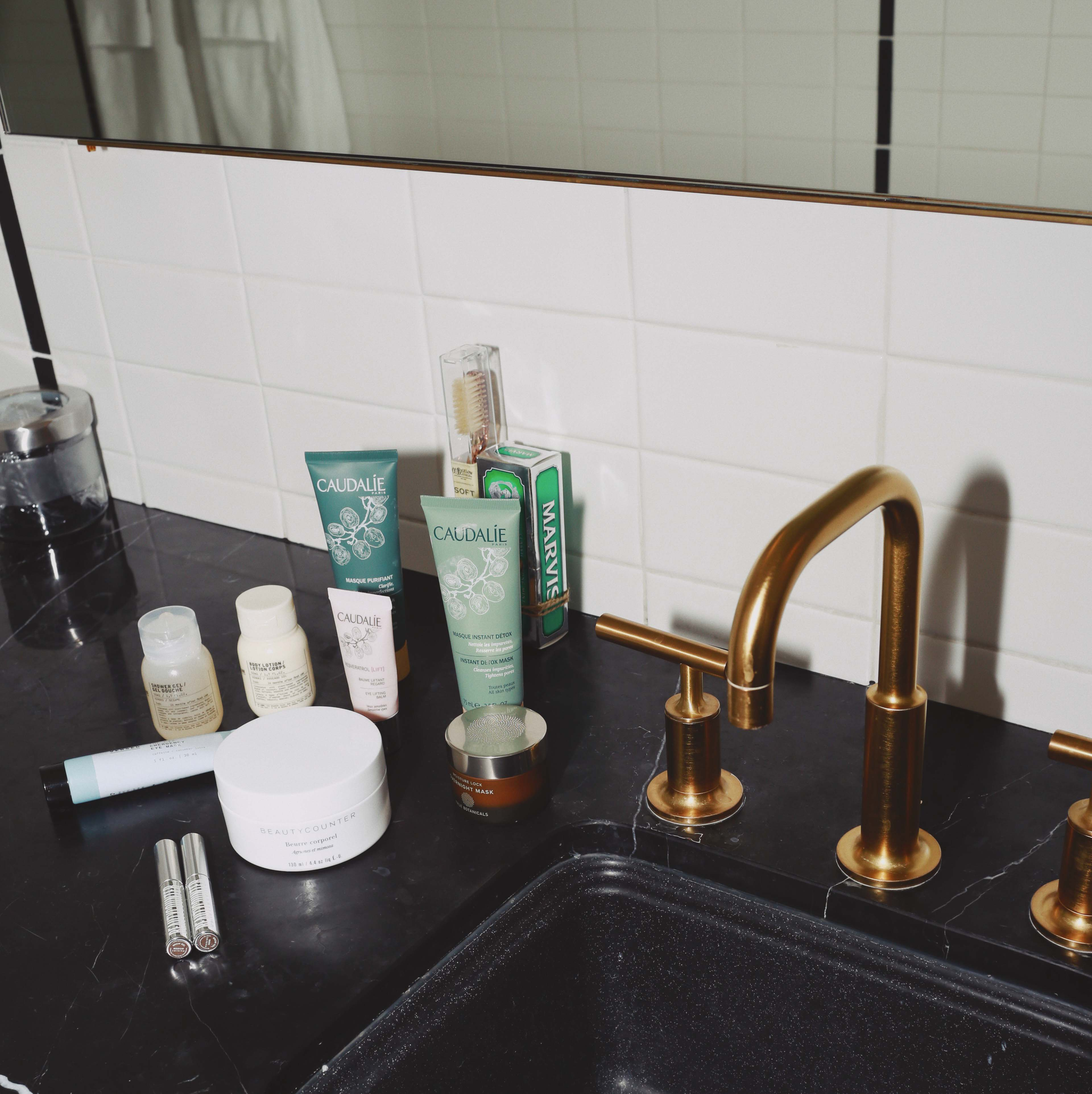 Discover the hidden gem Hotel Covell: a small luxury boutique hotel in Los Angeles. Parisian vibes and opulant rooms: Hotel Covell is a luxury independent hotel for short / long term stay. bathroom caudalie