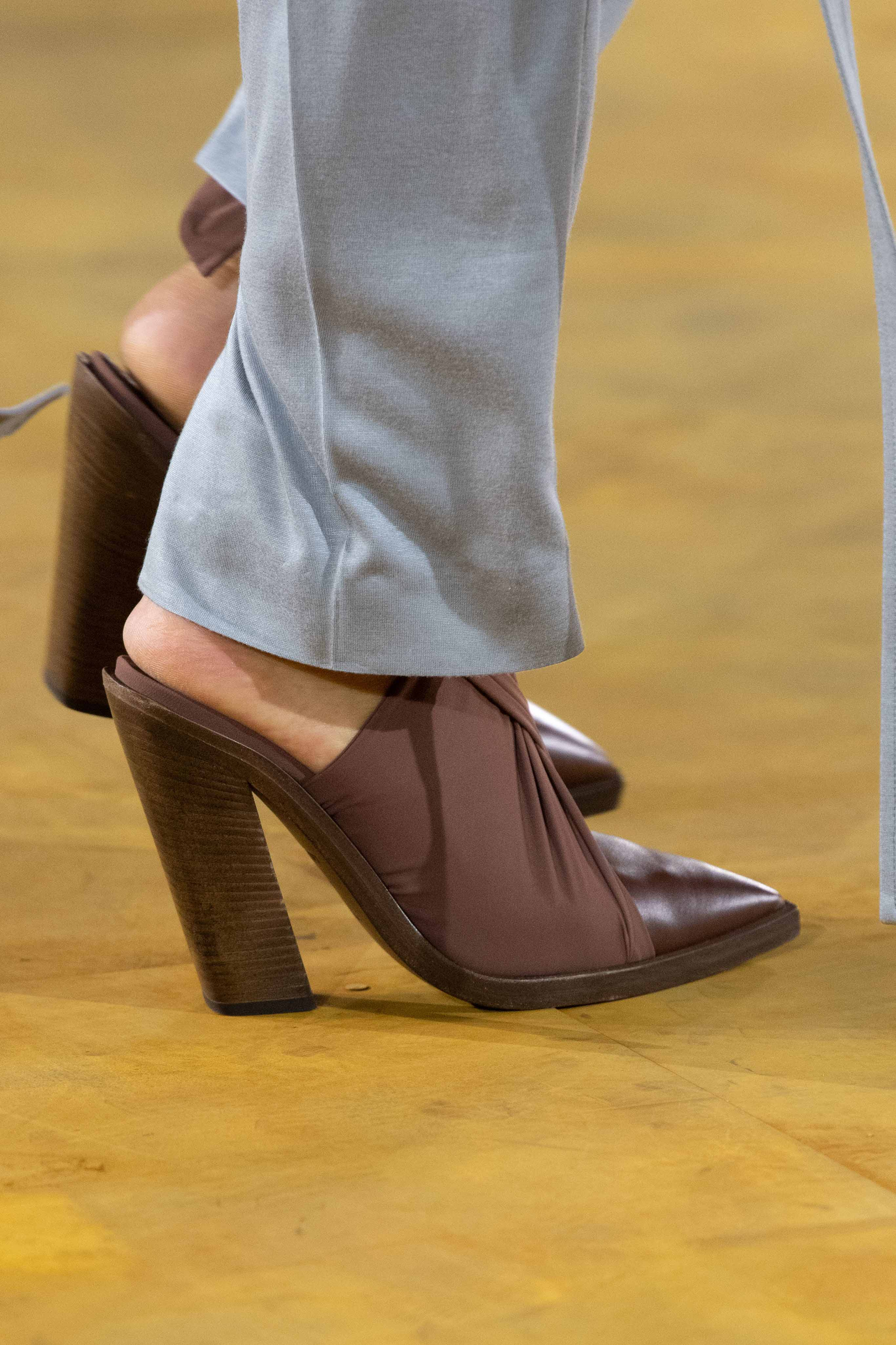 Burberry Spring Summer 2020 SS2020 trends runway coverage Ready To Wear Vogue shoes