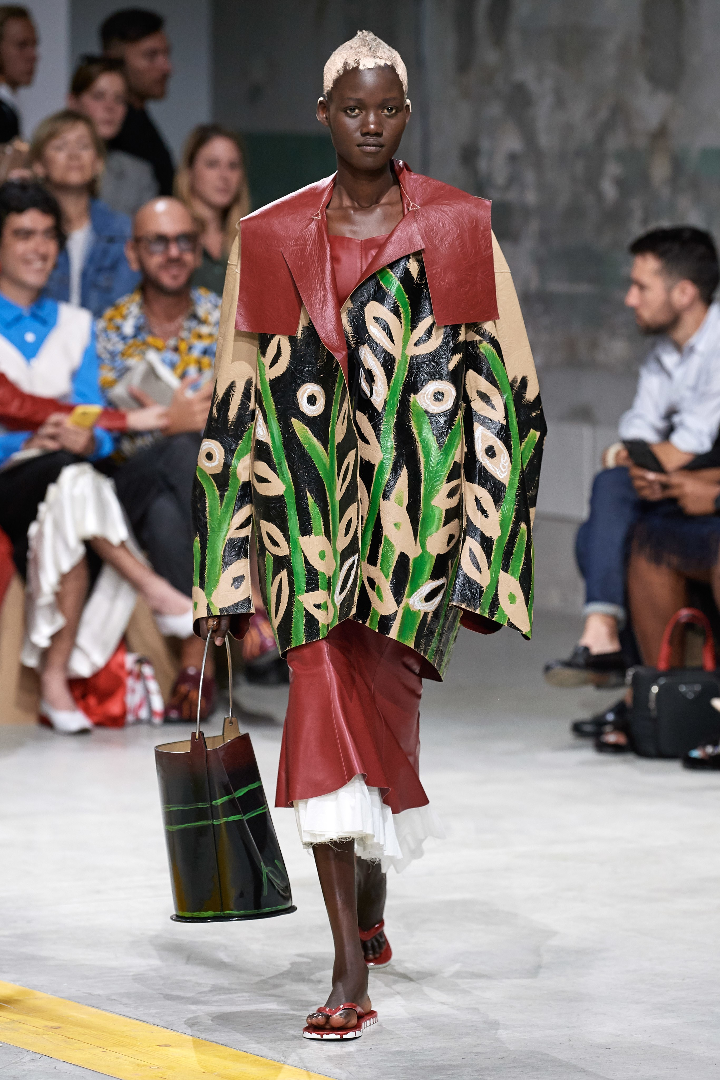 Marni Spring Summer 2020 SS2020 trends runway coverage Ready To Wear Vogue 60s wallpaper