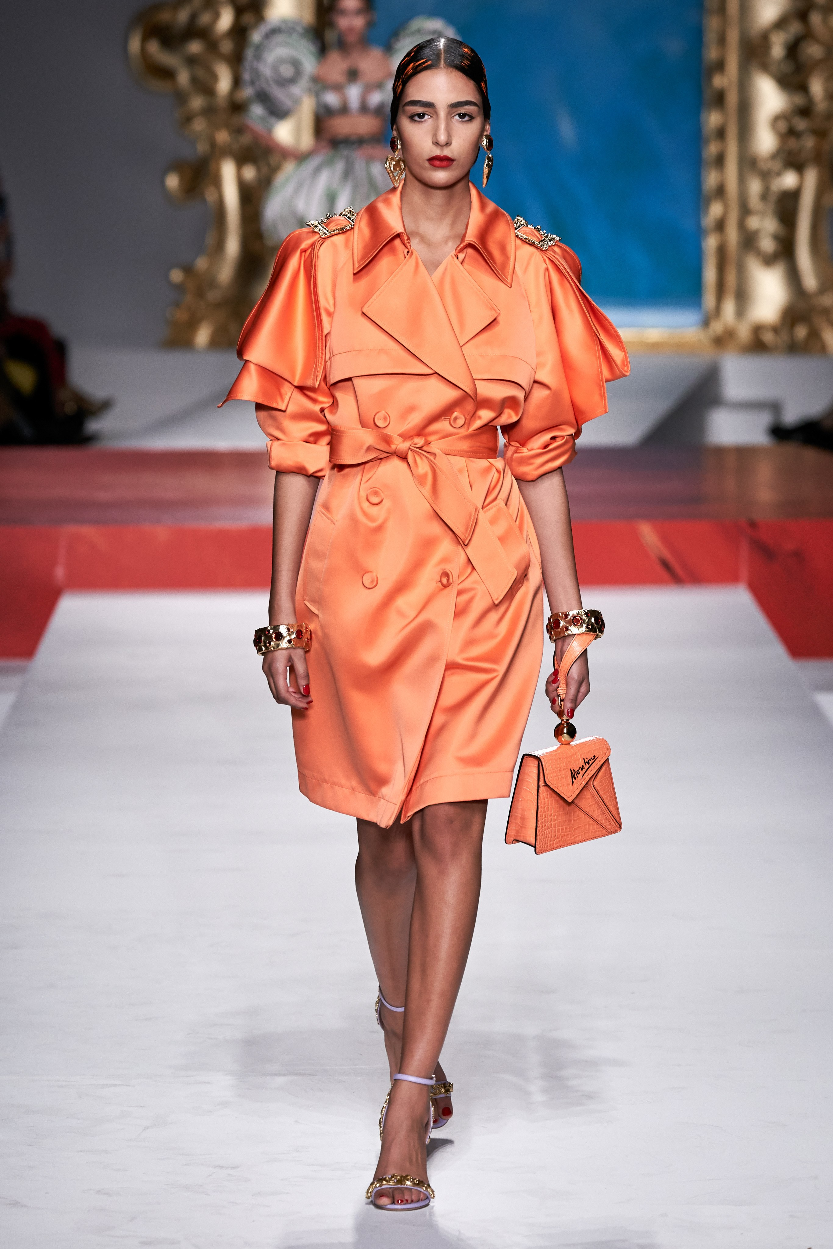 Moschino Spring Summer 2020 SS2020 trends runway coverage Ready To Wear VogueGivenchy Spring Summer 2020 SS2020 trends runway coverage Ready To Wear Vogue monochrome