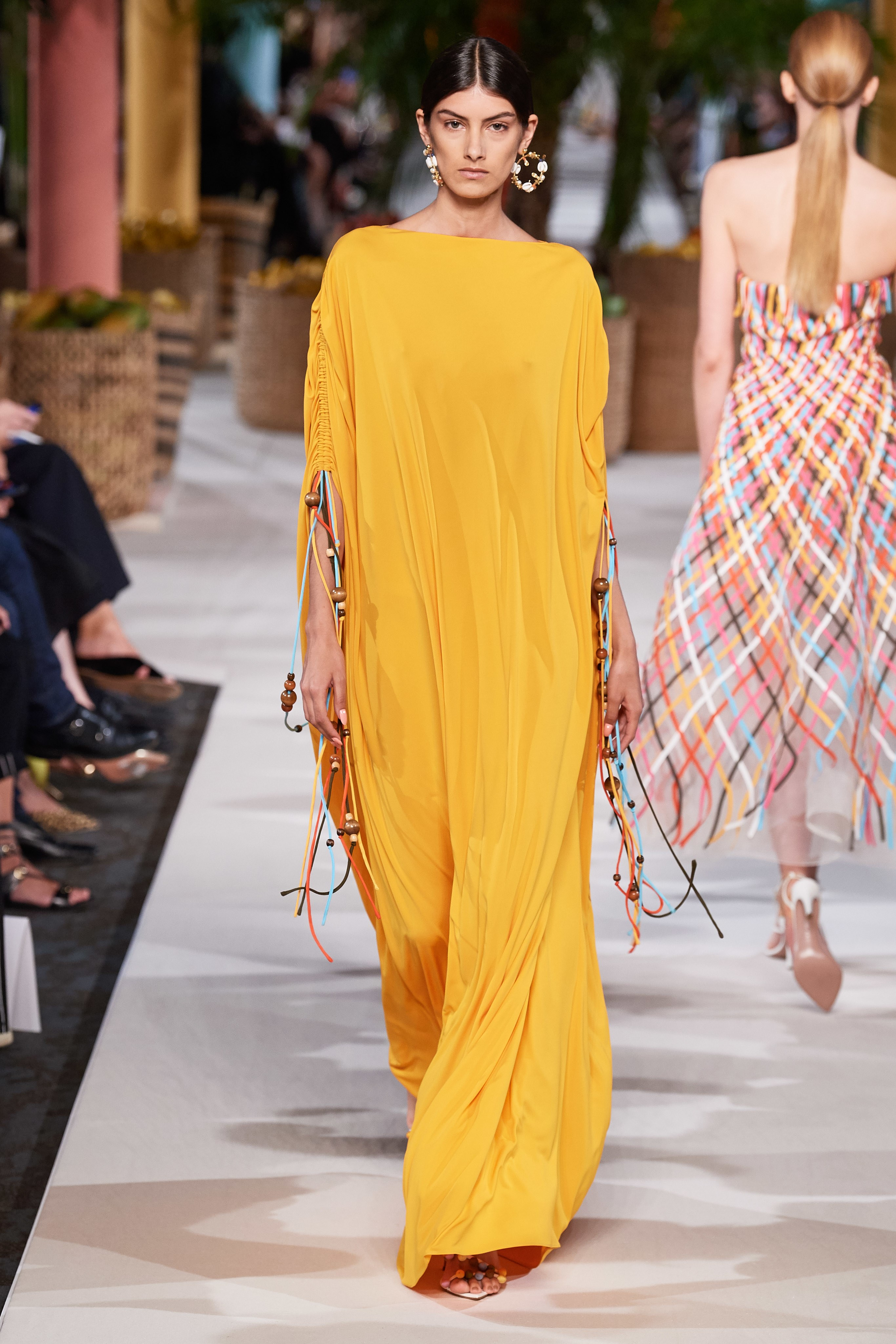Oscar de la renta Spring Summer 2020 SS2020 trends runway coverage Ready To Wear Vogue yellow monochrome