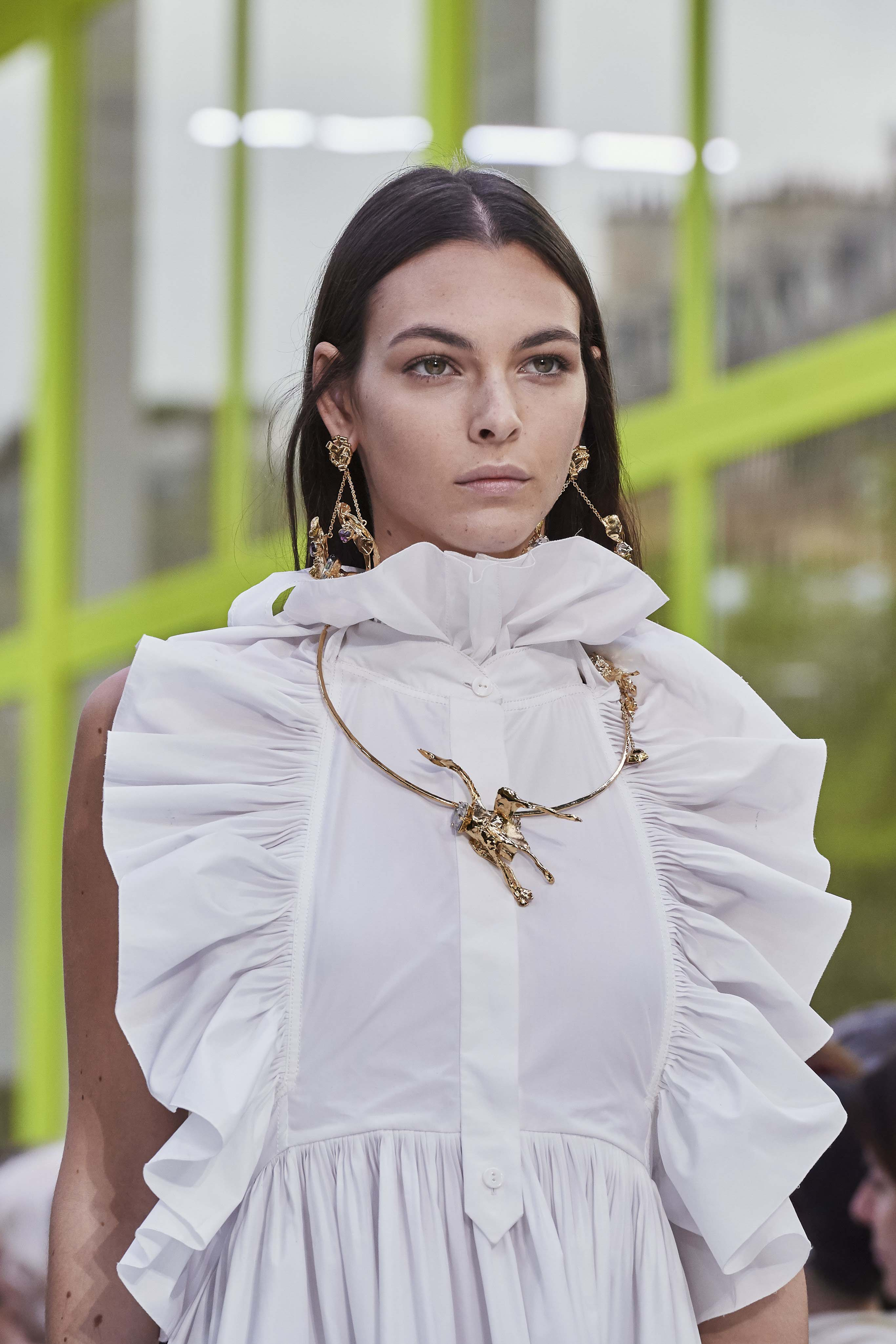 Valentino Spring Summer 2020 SS2020 trends runway coverage Ready To Wear Vogue details makeup necklace