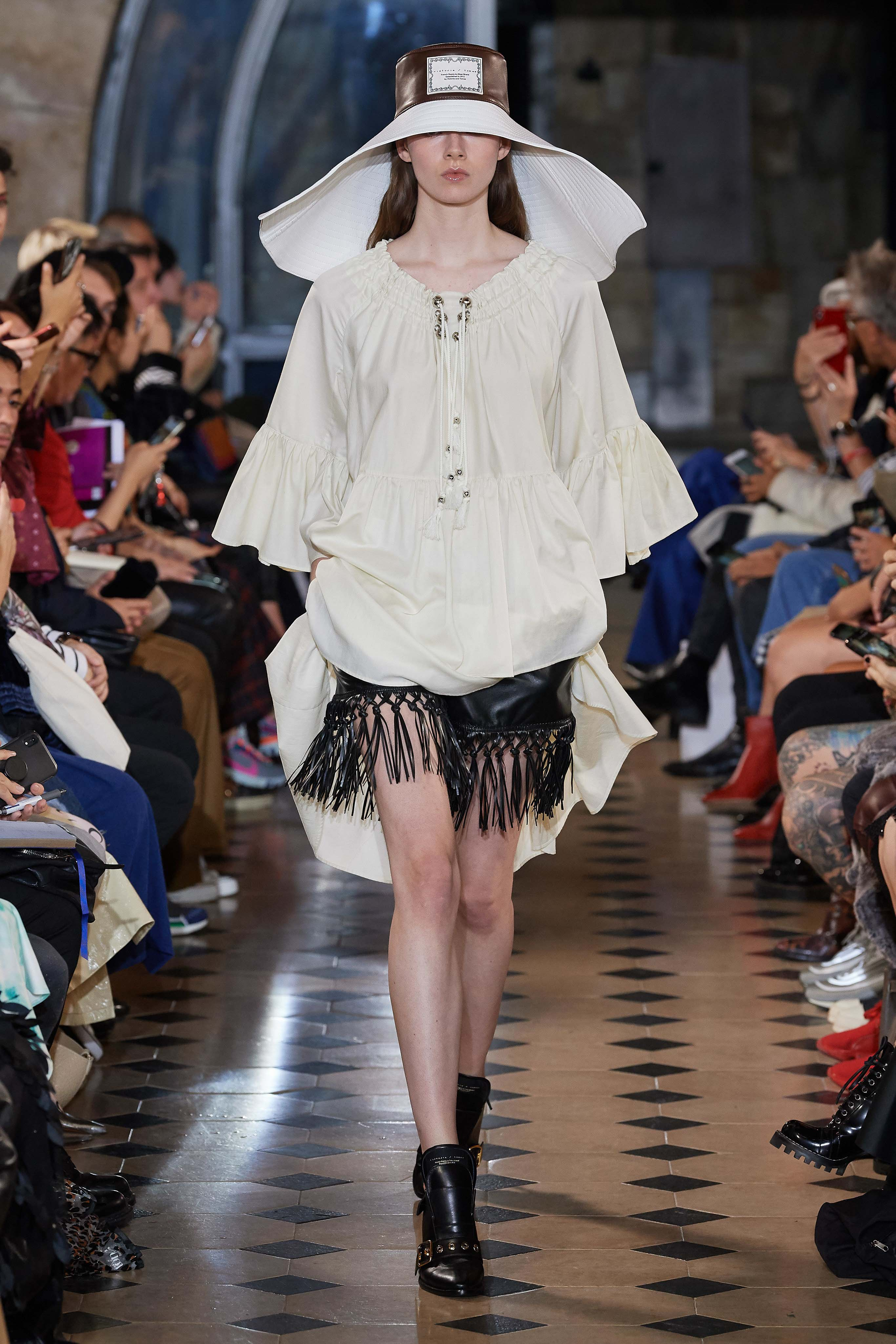 Victoria Tomas Spring Summer 2020 SS2020 trends runway coverage Ready To Wear Vogue hat and fringe