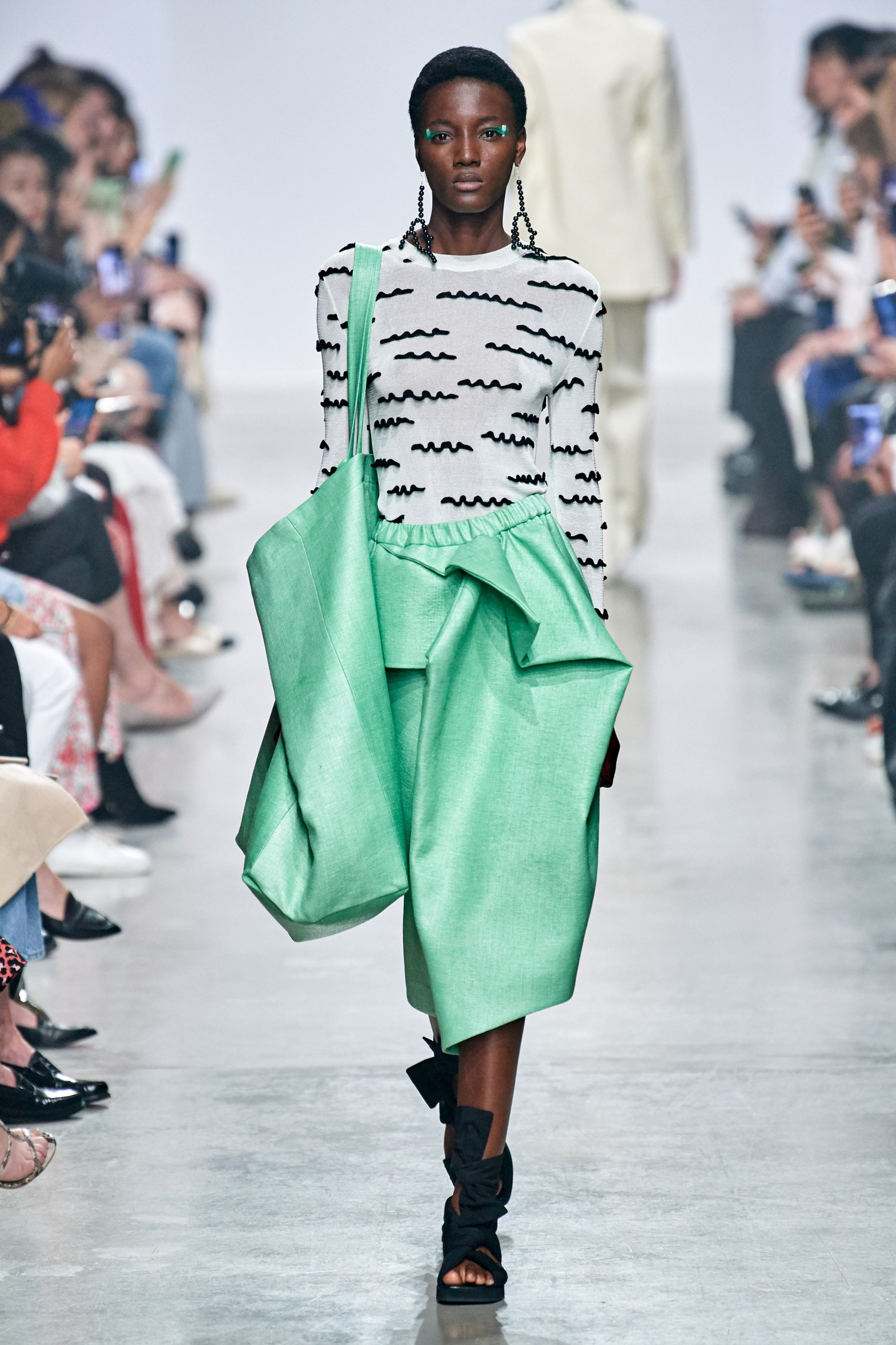 Christian Wijnants Spring Summer 2020 SS2020 trends runway coverage Ready To Wear Vogue big bag