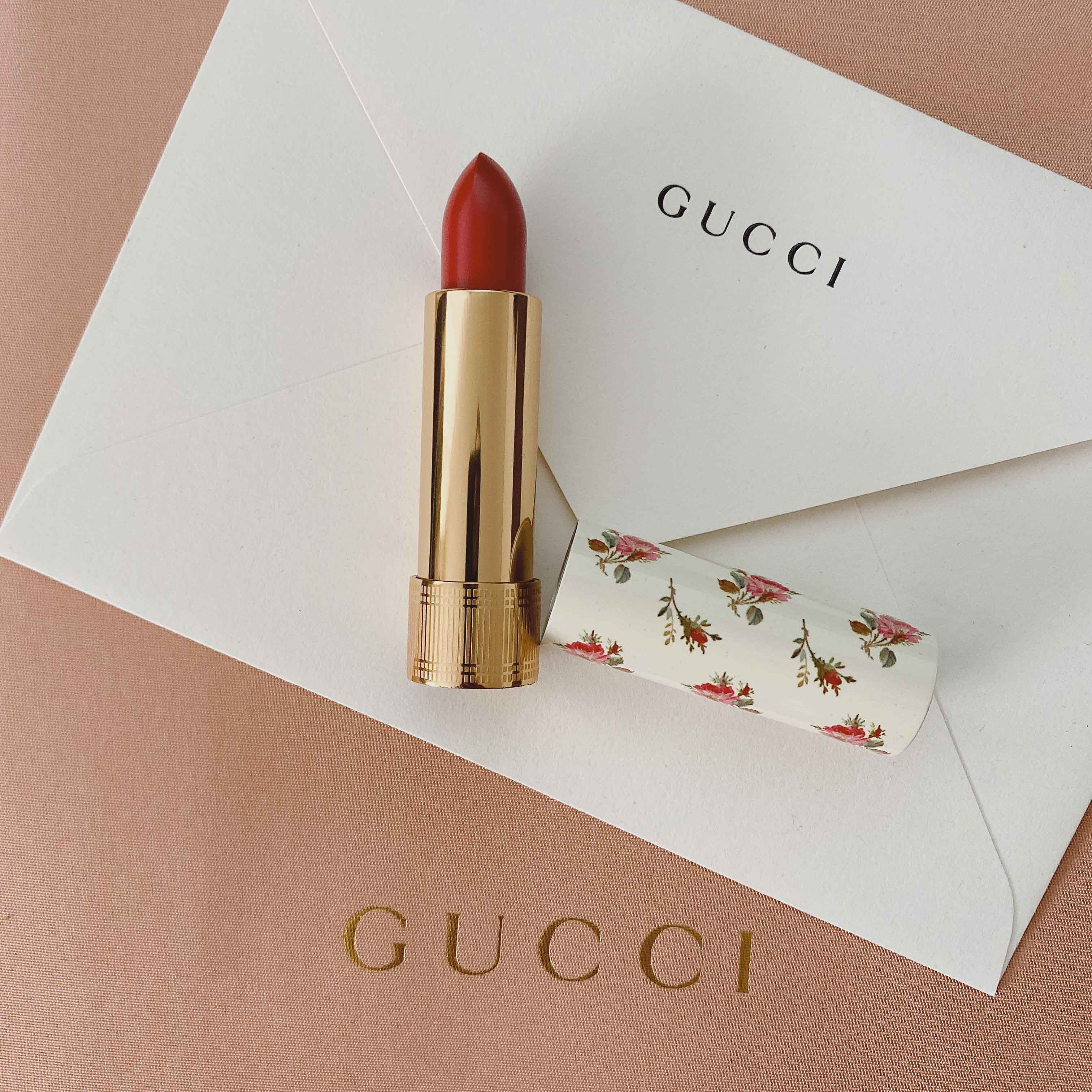 Holiday gift guide for women 2019 – Affordable luxury gift ideas - Gucci lipstick