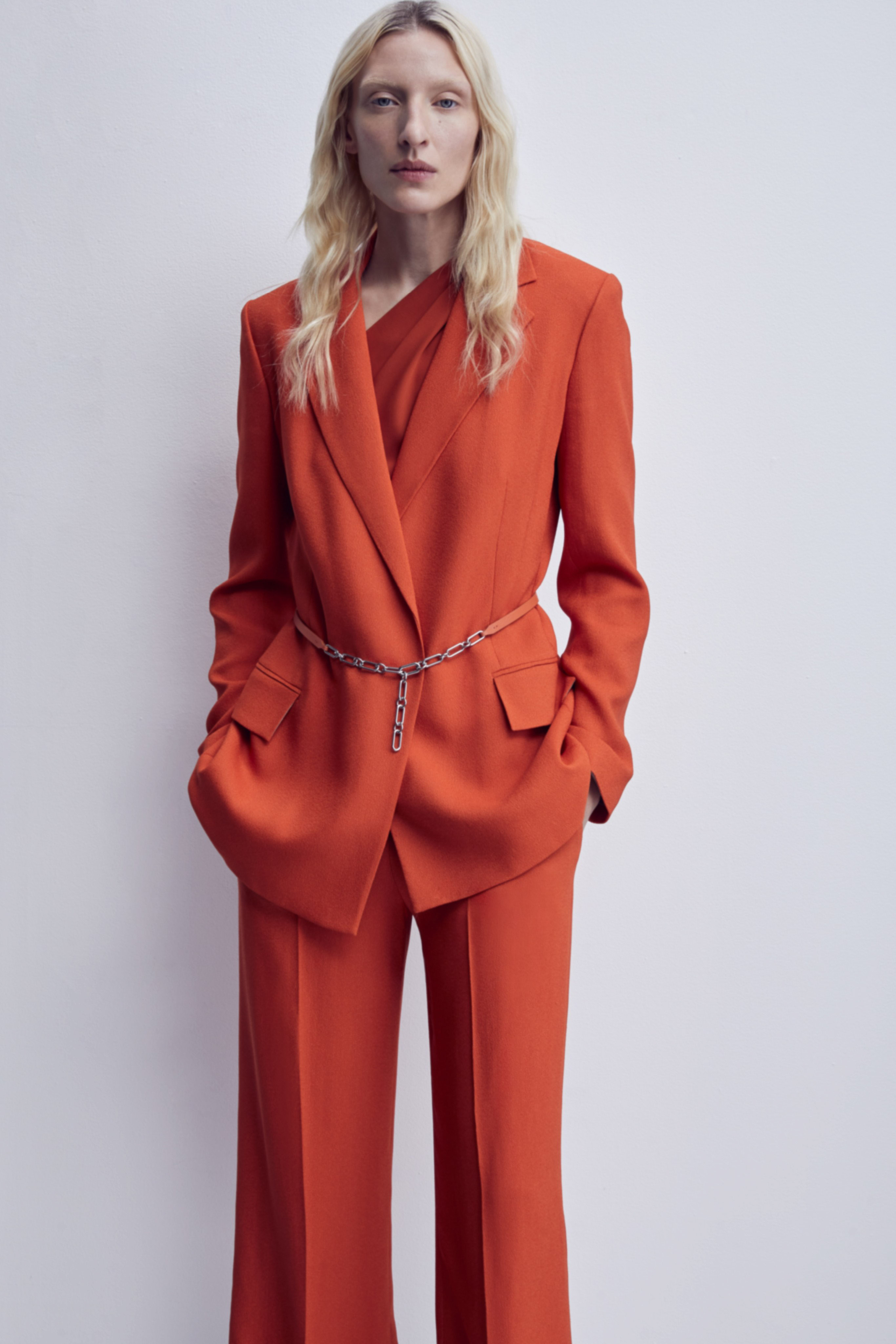 Theory Pre fall 2020 Lookbook trends runway coverage Ready To Wear Vogue Monochrome