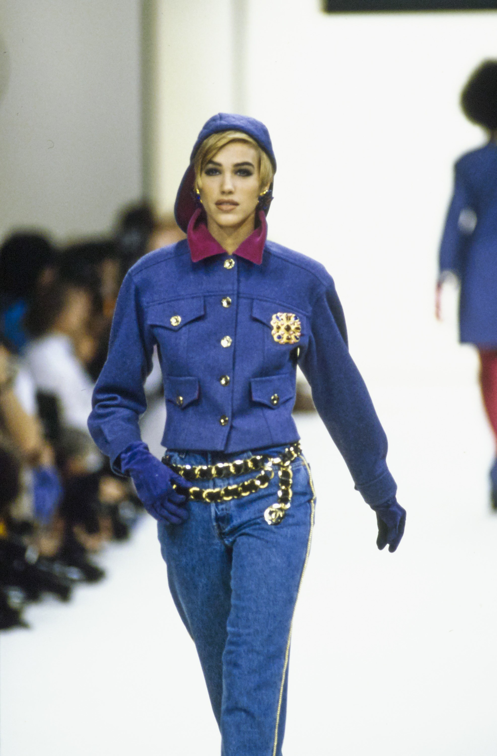 chanel in the 90's - chanel-fall-1991-ready-to-wear-CN10052937-emma-sjoberg-wiklund