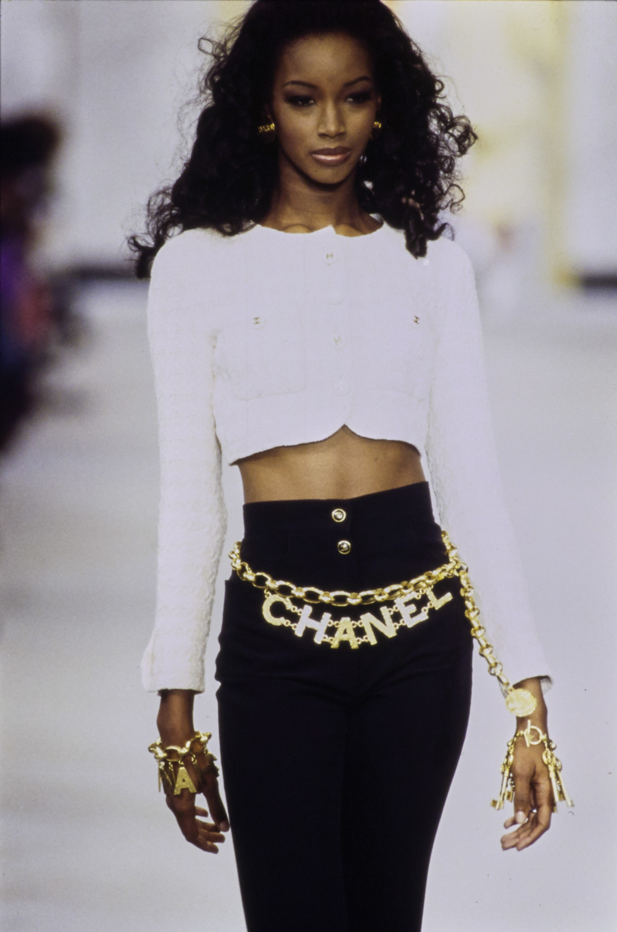 chanel in the 90's -chanel-spring-1993-ready-to-wear-021-beverly-peele