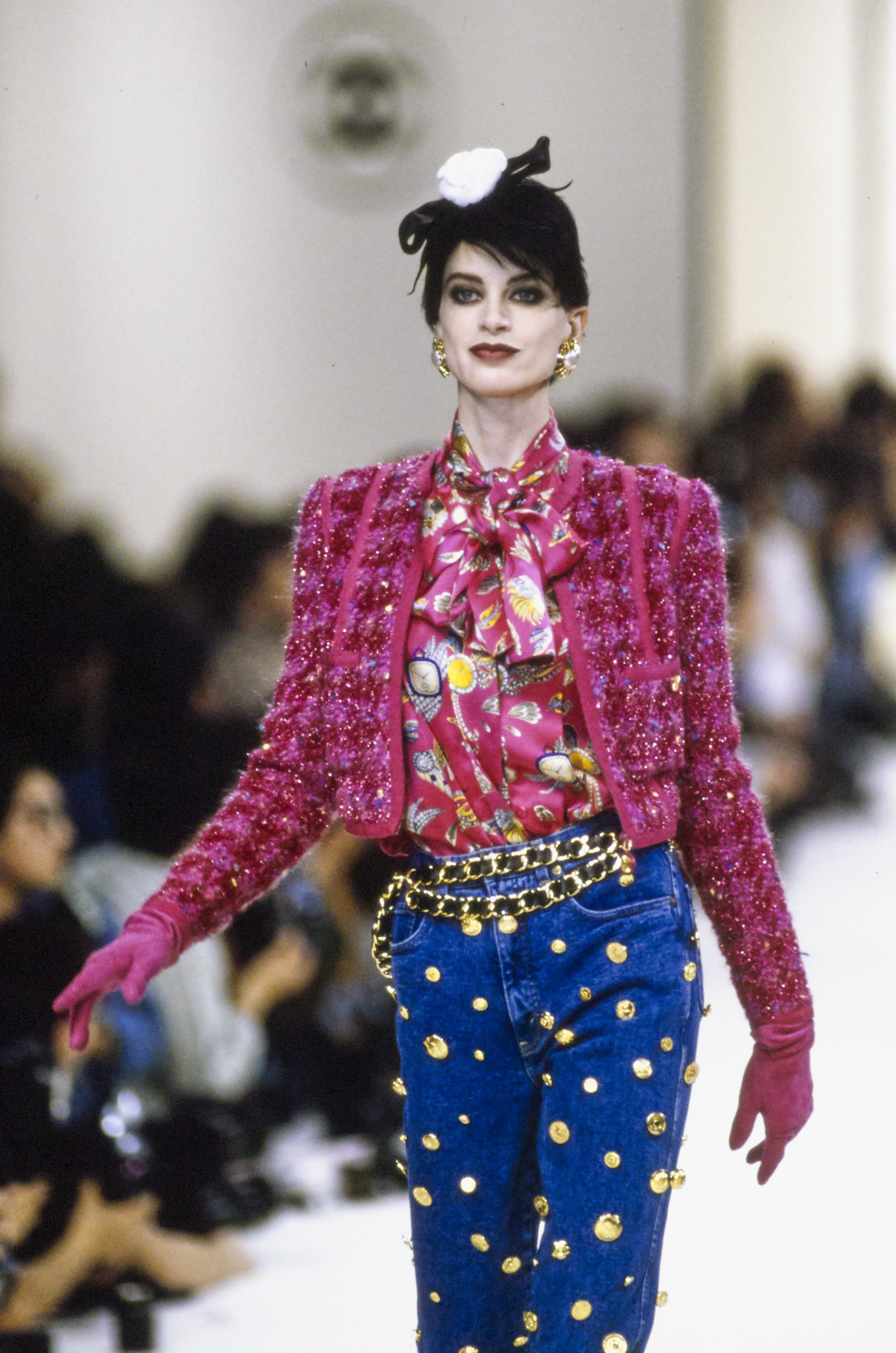 chanel in the 90's - chanel-fall-1991-ready-to-wear-CN10052960-kristen-mcmenamy