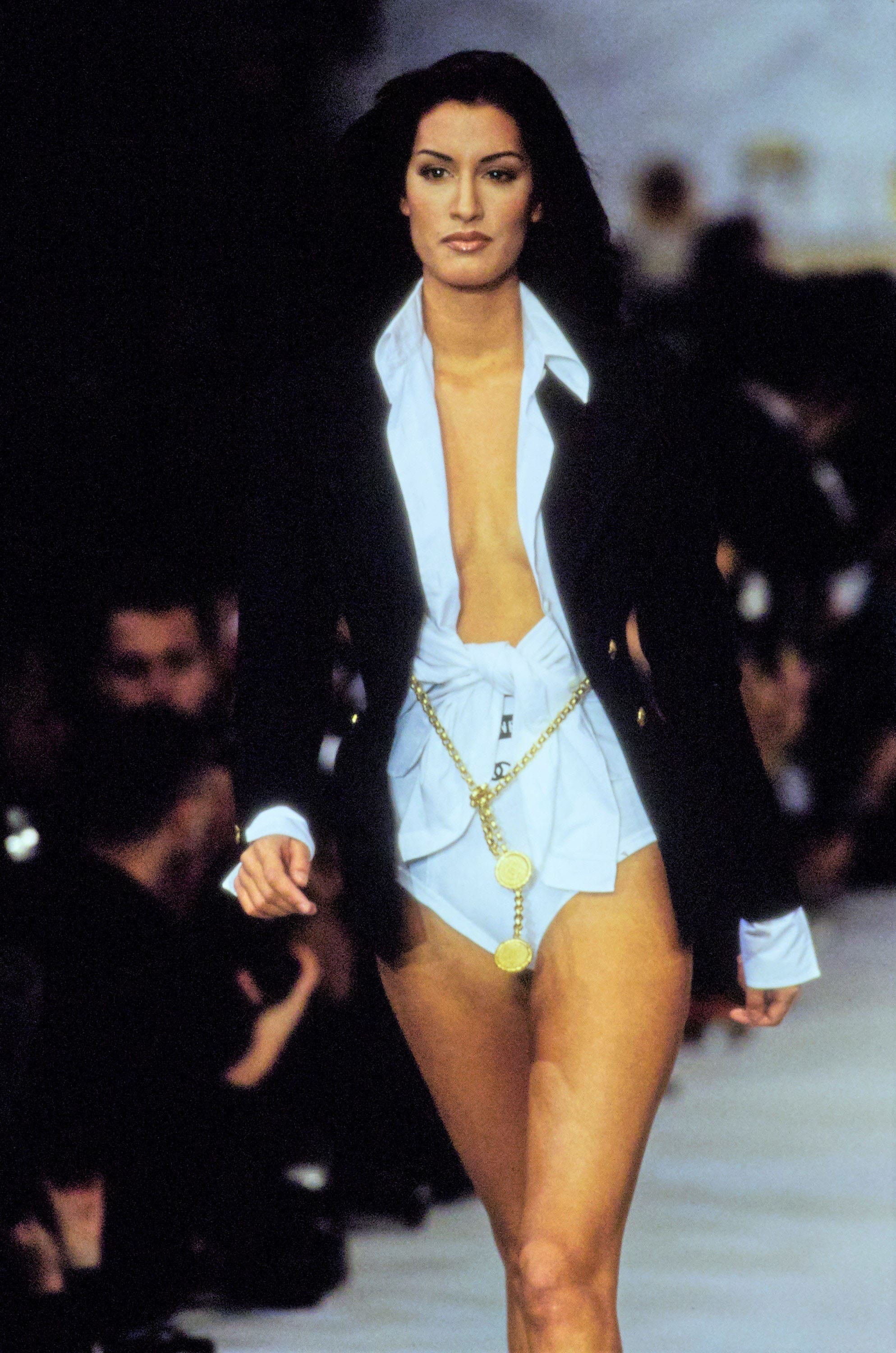 chanel in the 90's - chanel-spring-1993-ready-to-wear-070-yasmeen-ghauri