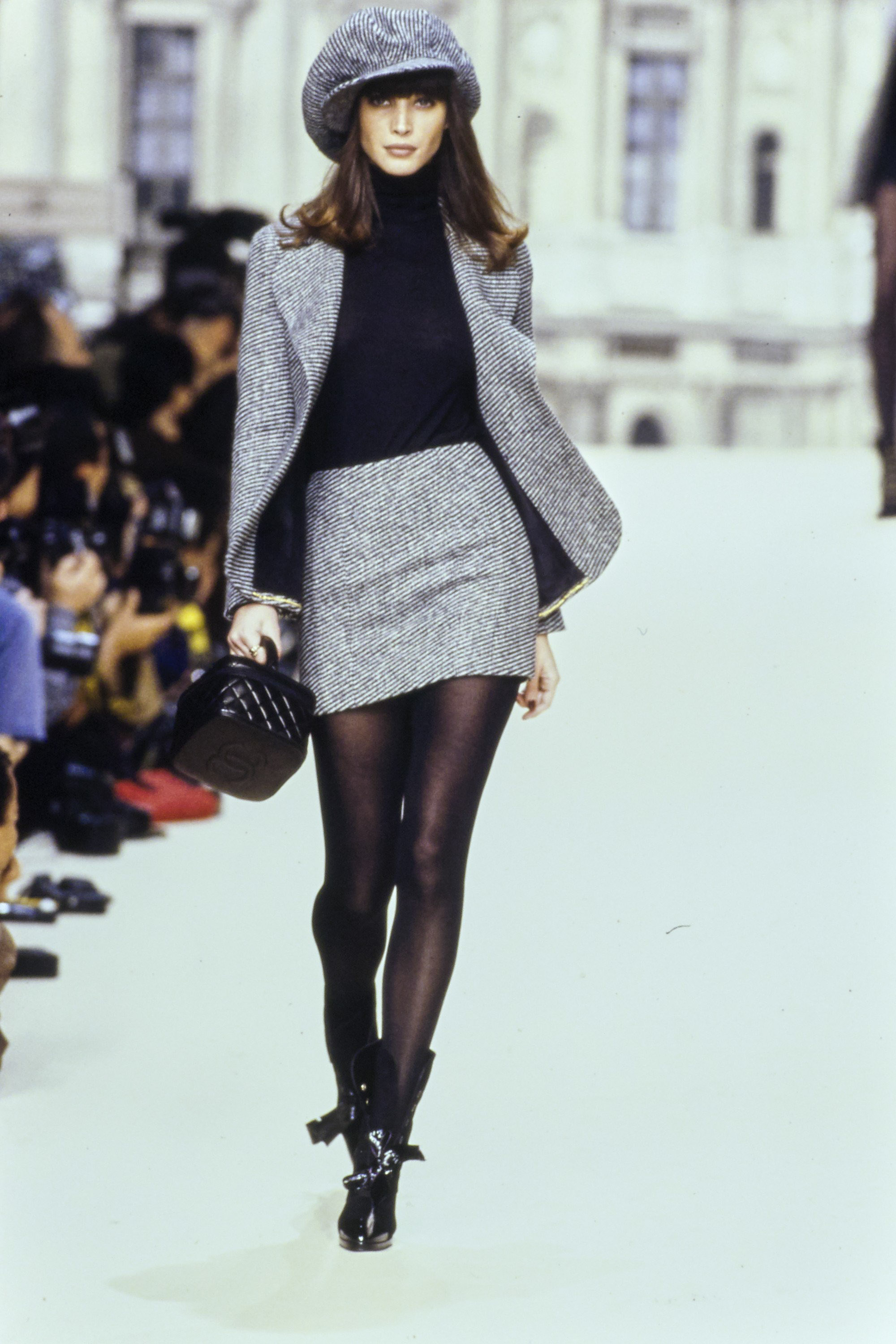 chanel in the 90's -chanel-fall-1994-ready-to-wear-CN10053050-christy-turlington