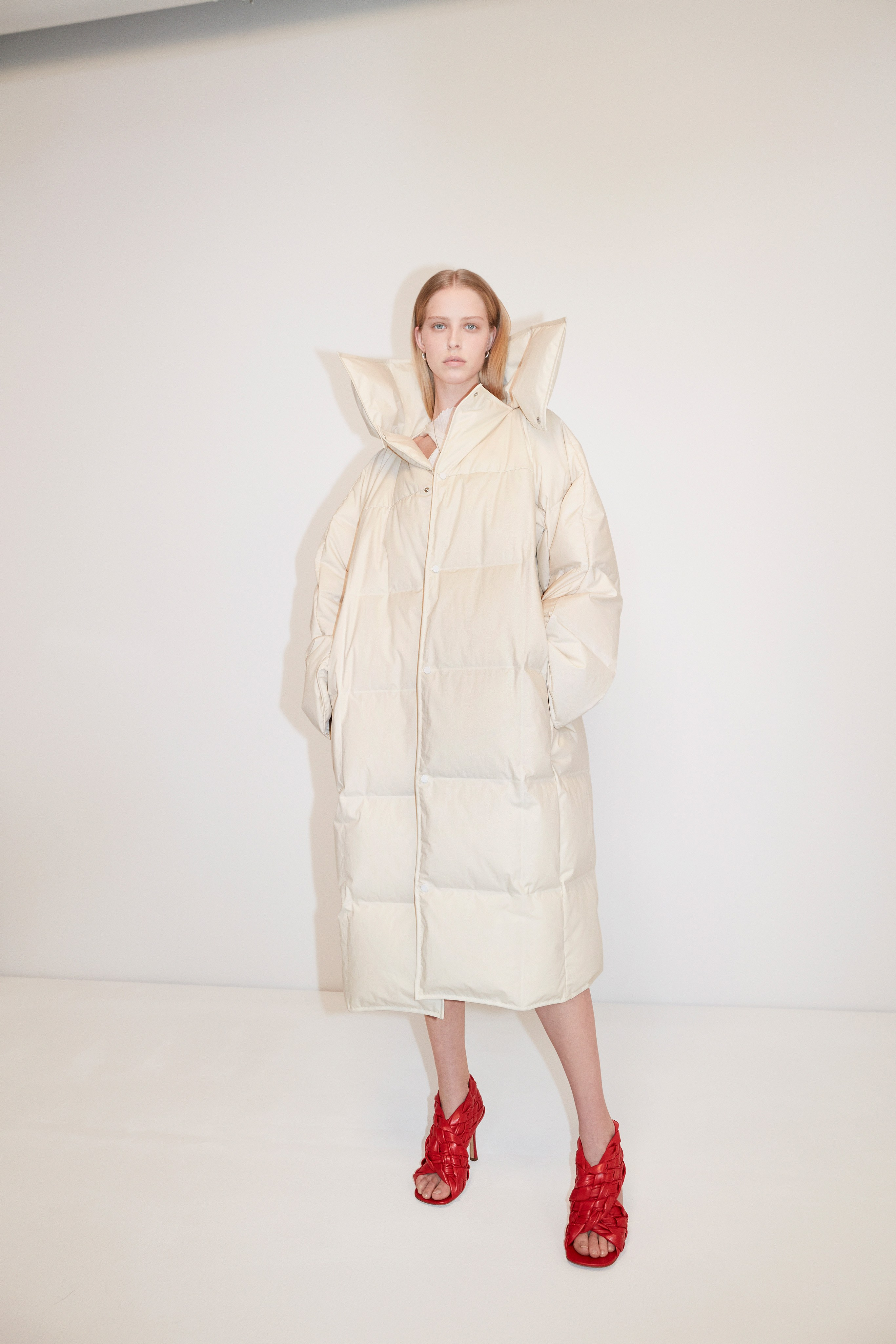 Bottega Veneta Pre fall 2020 Lookbook trends runway coverage Ready To Wear Vogue coat