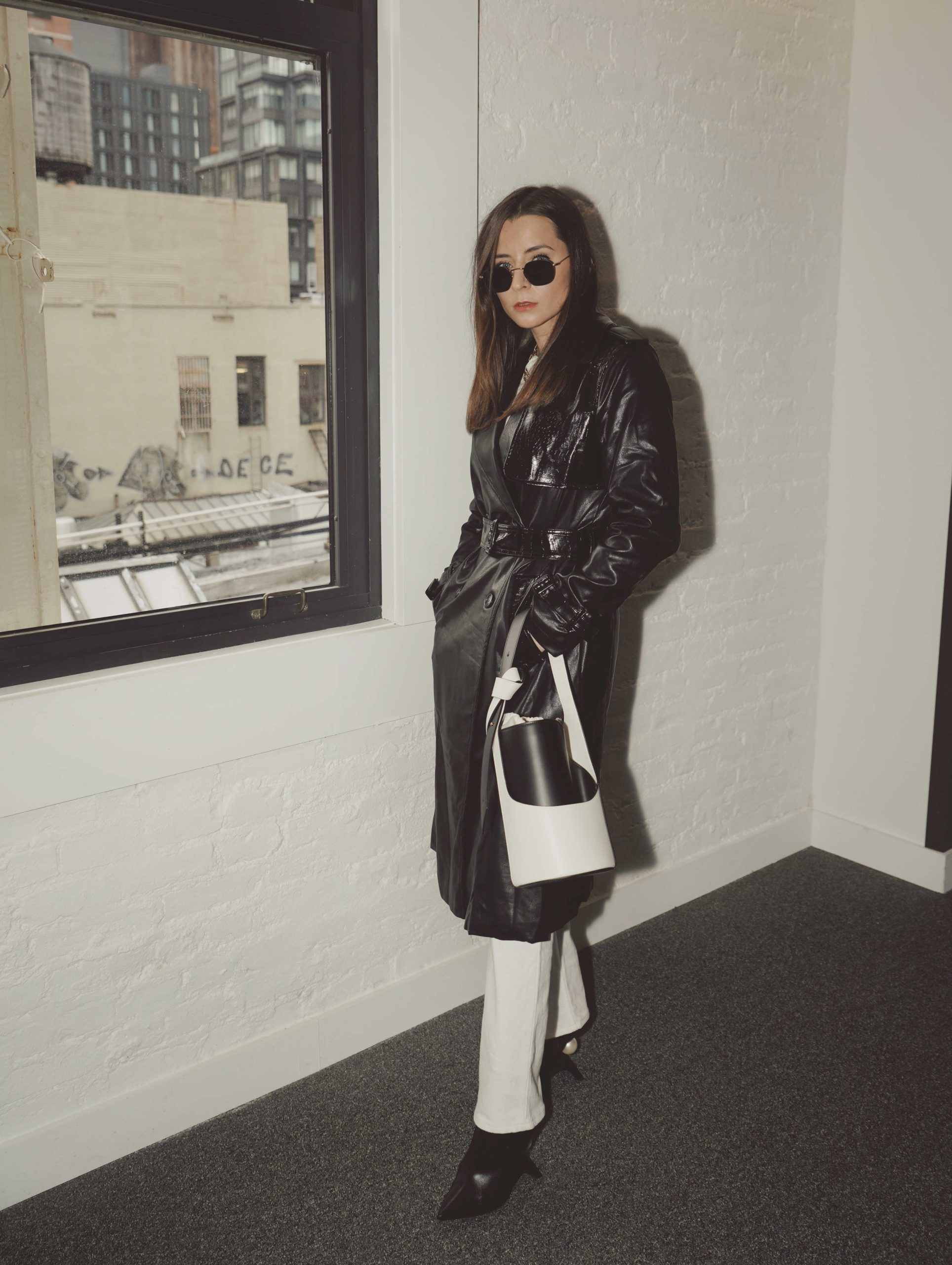 Street Style New York Fashion Week NYFW AW2020 FW2020 julia comil apparis coat gia quinto bag