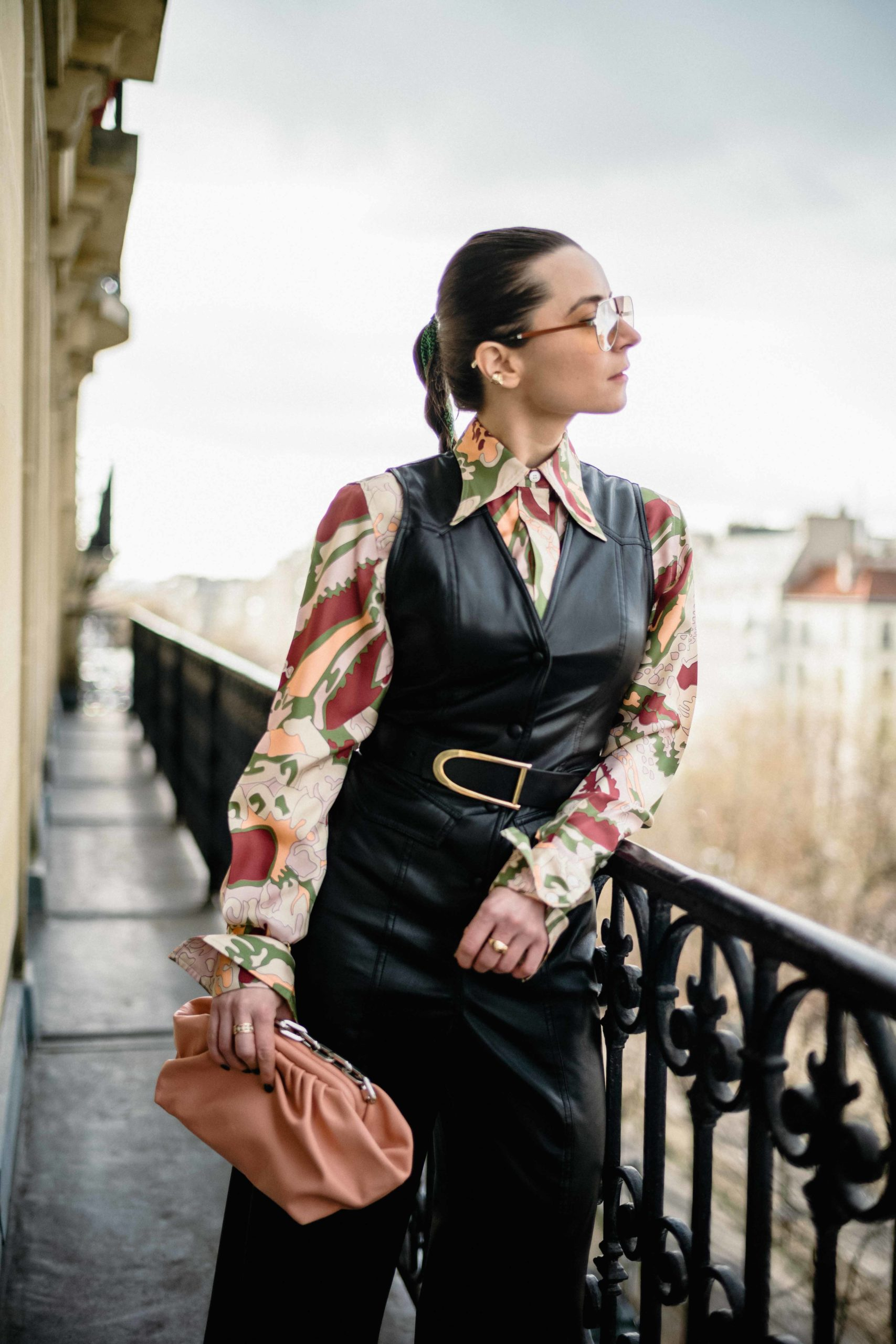 70's vibes paris fashion week street style 2020 AW march 2020 julia comil nanushka victoria beckham farfetch