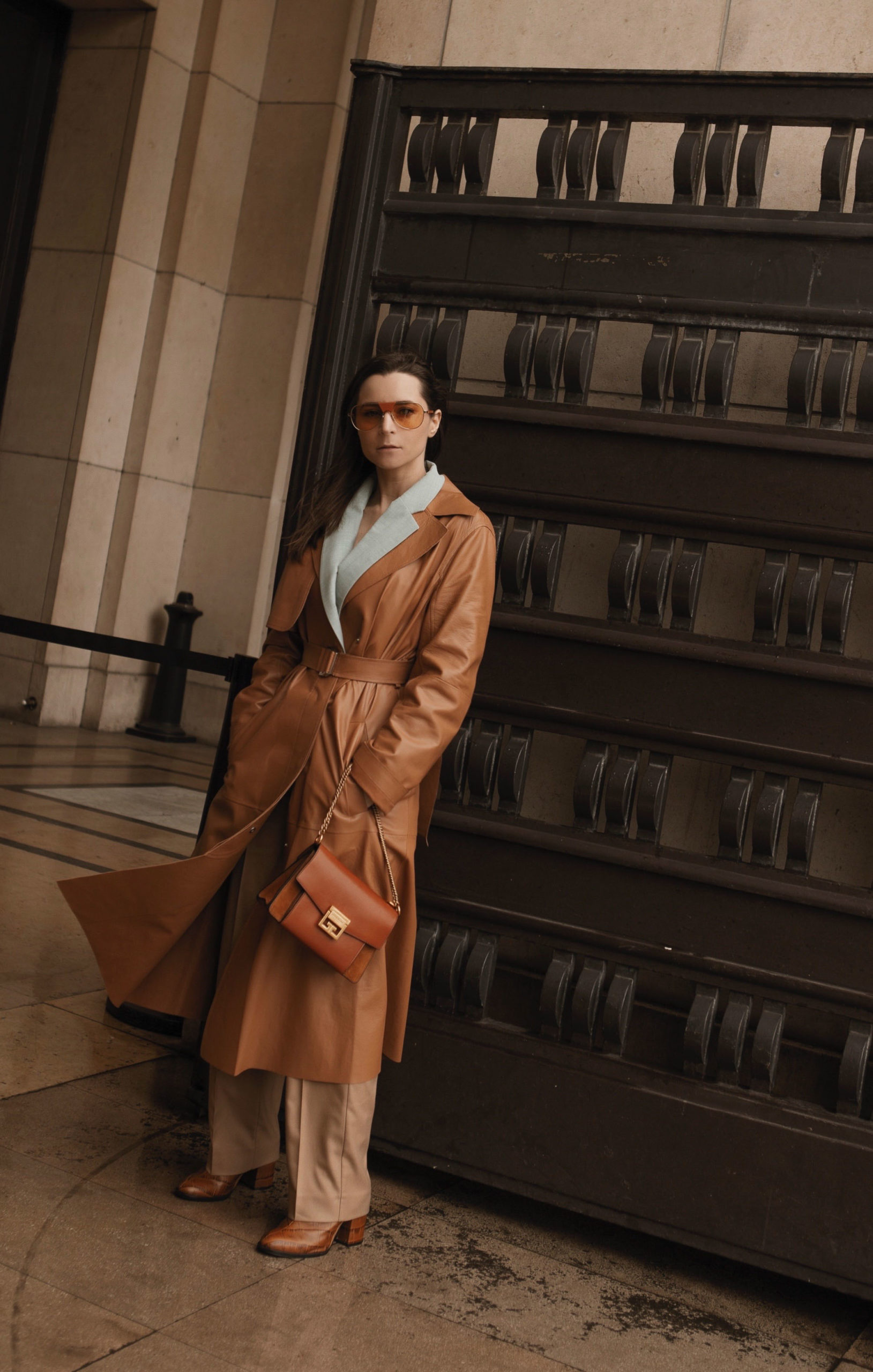 caramel trench paris fashion week street style 2020 AW march 2020 julia comil sportmax