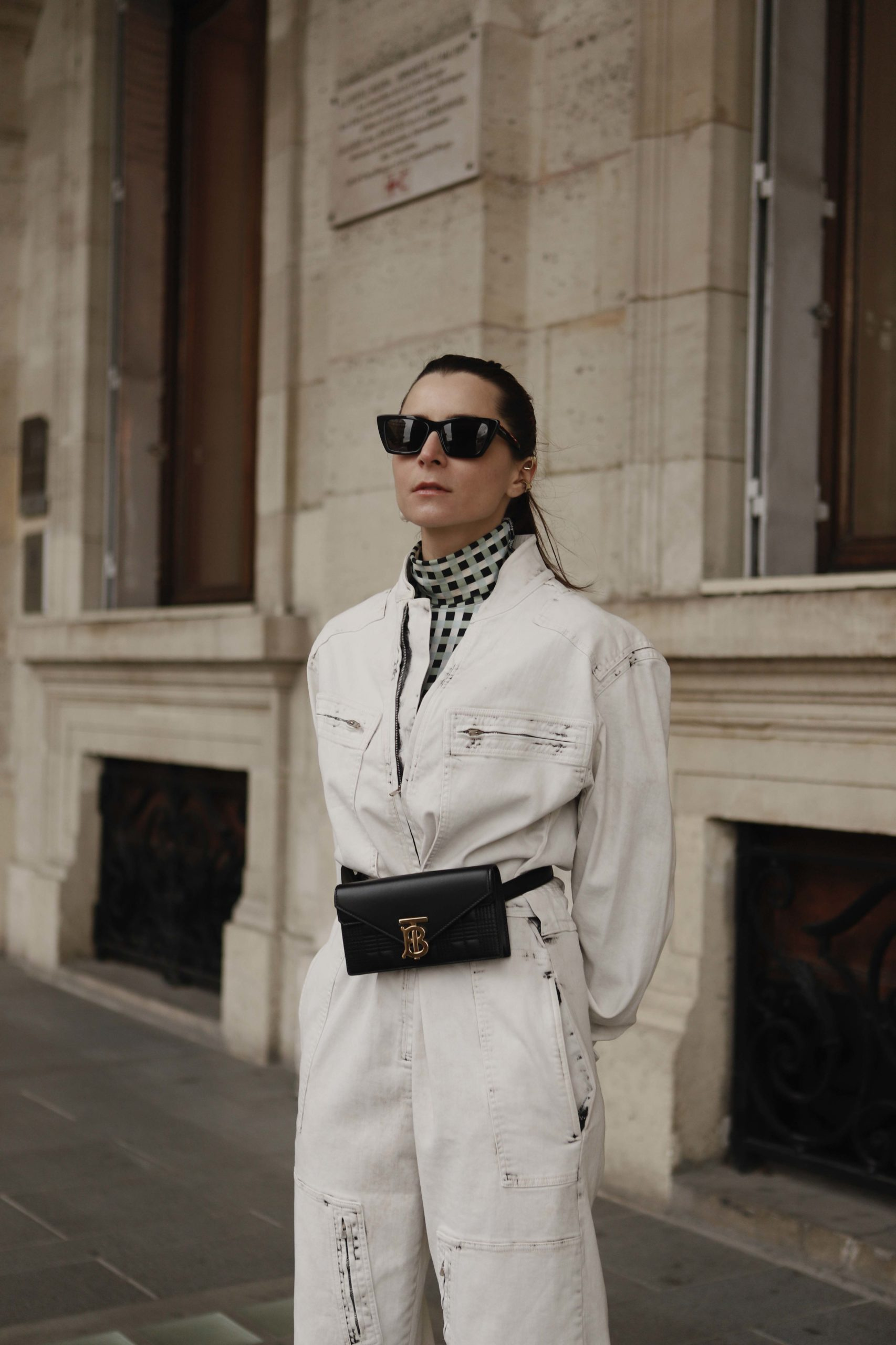 utility jumpsuit caramel trench paris fashion week street style 2020 AW march 2020 julia comil stella mc cartney burberry proenza schouler