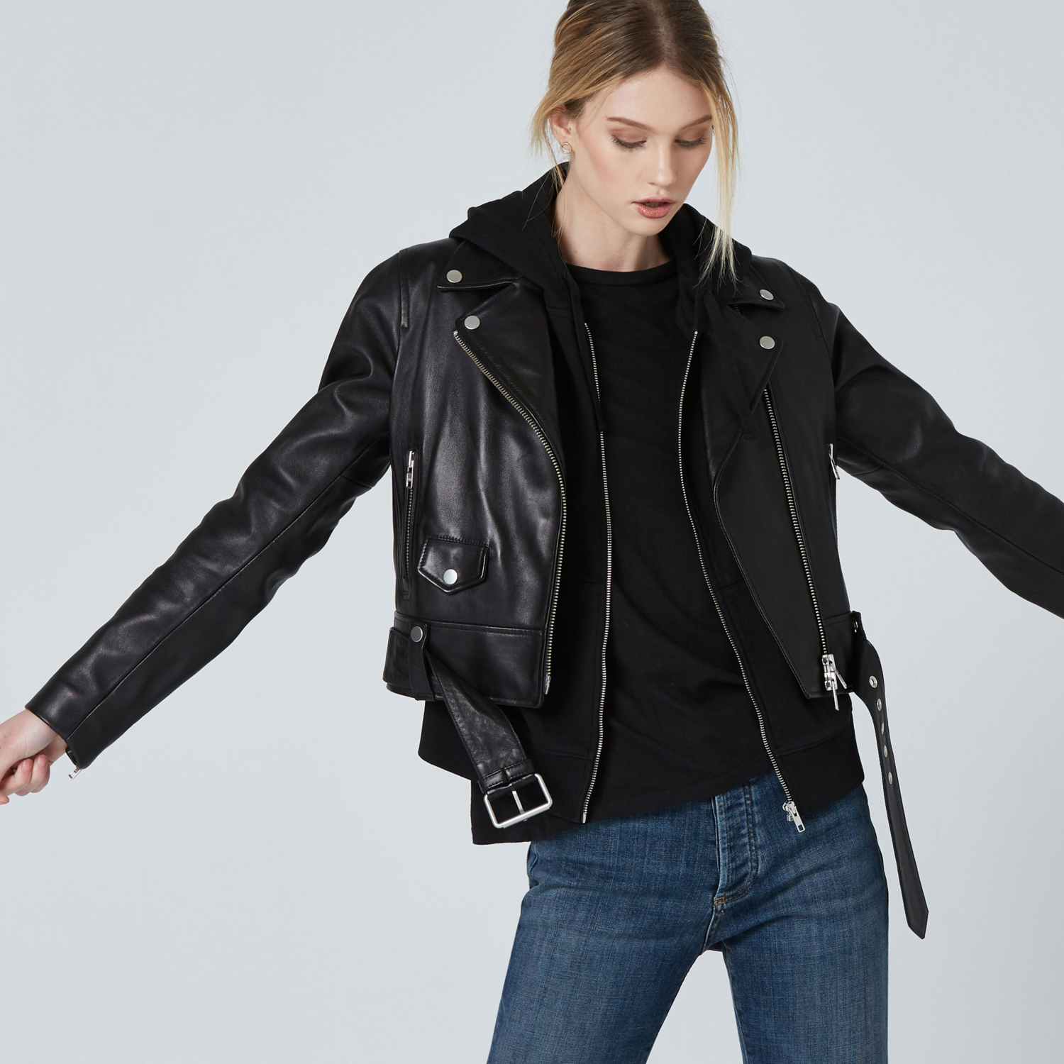 The perfect woman black leather jacket ! The leather biker jacket is a French staple: timeless and effortless chic! Selection of the best premium leather jacket at an affordable price - dstld 20% off coupon code womens-leather-biker-jacket-in-black-product